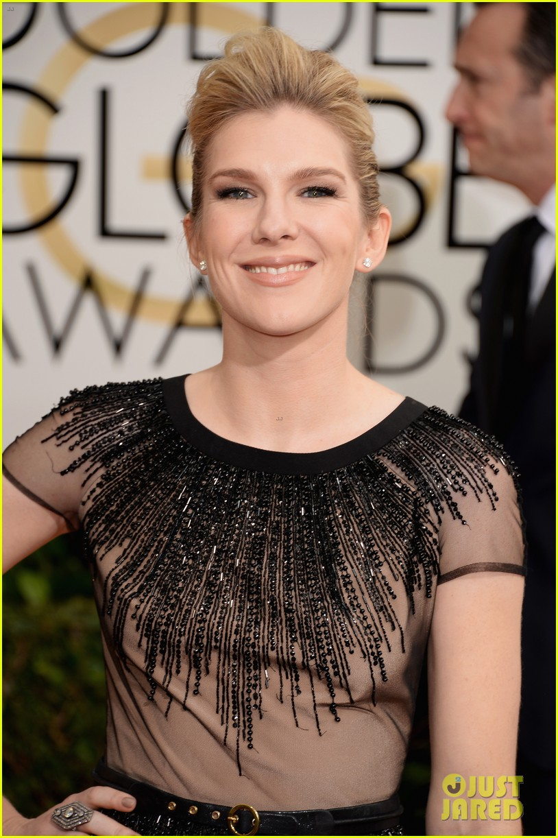 sarah paulson lily rabe golden globes 2014 red carpet 02