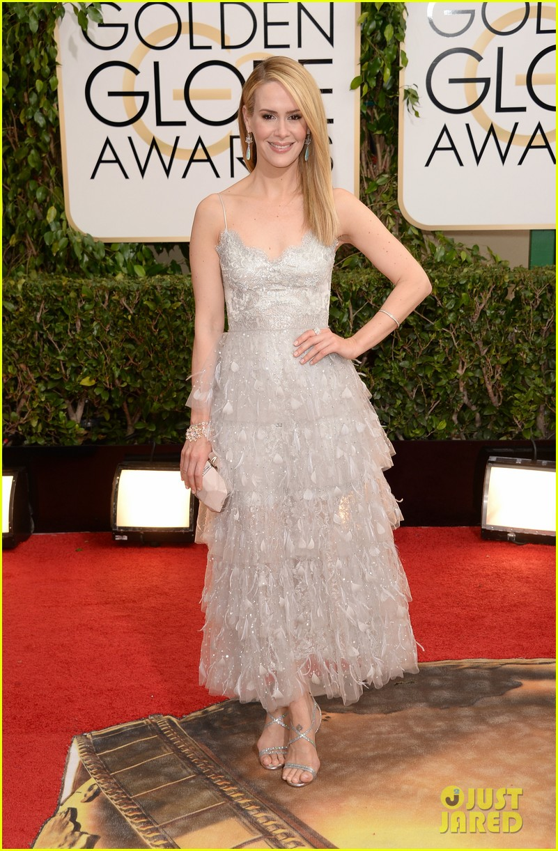 sarah paulson lily rabe golden globes 2014 red carpet 053029226