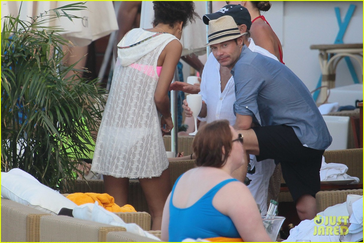 ryan seacrest enjoys drinks with friends in st barts 073021705