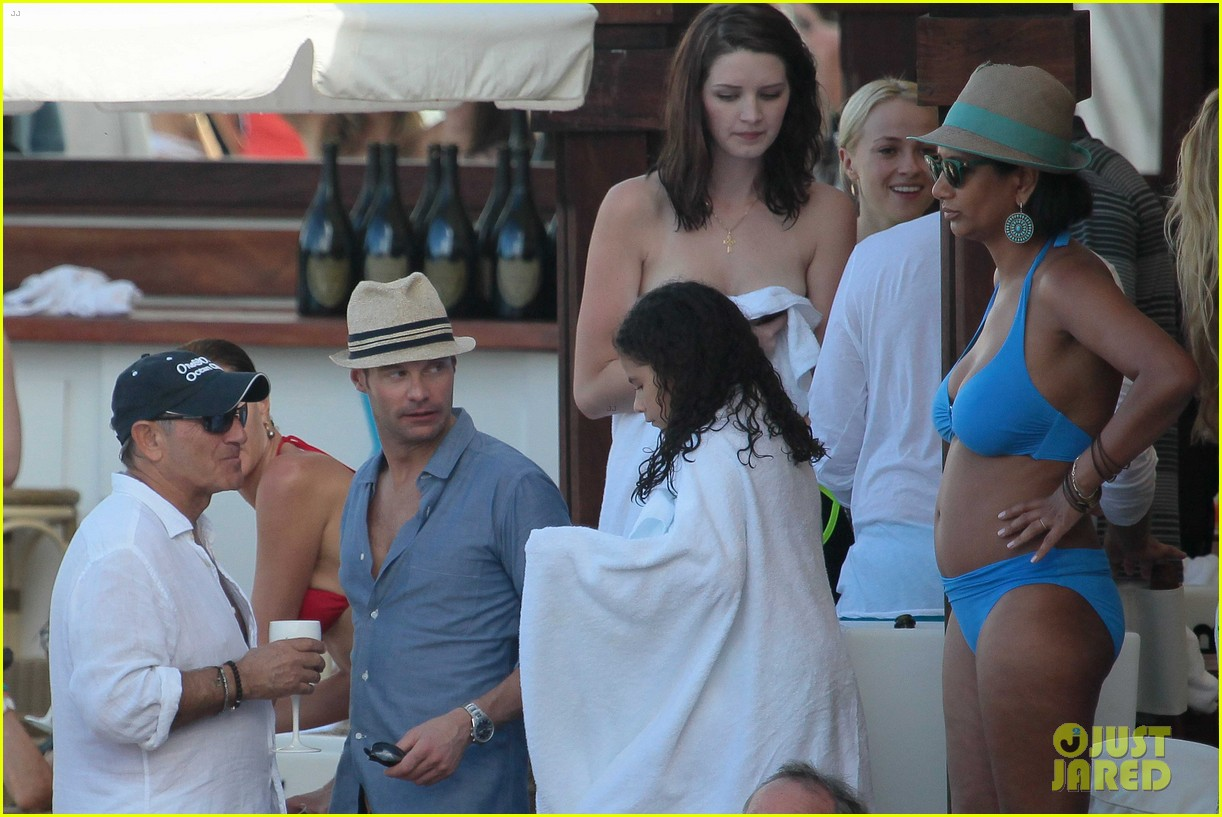 ryan seacrest enjoys drinks with friends in st barts 113021709