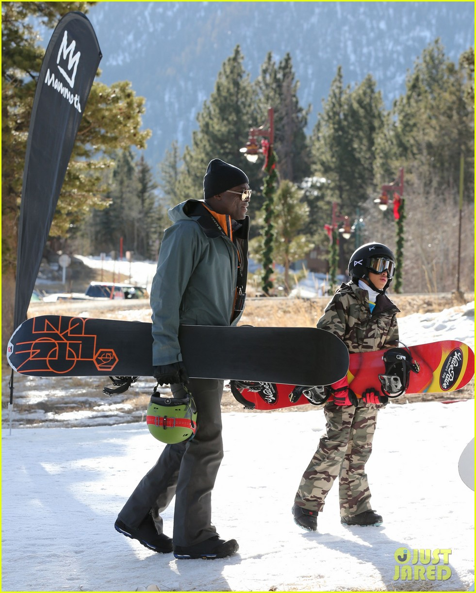 seal spends first day of 2014 snowboarding with the kids 053021430