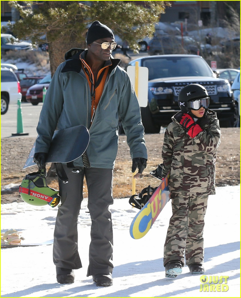 seal spends first day of 2014 snowboarding with the kids 073021432