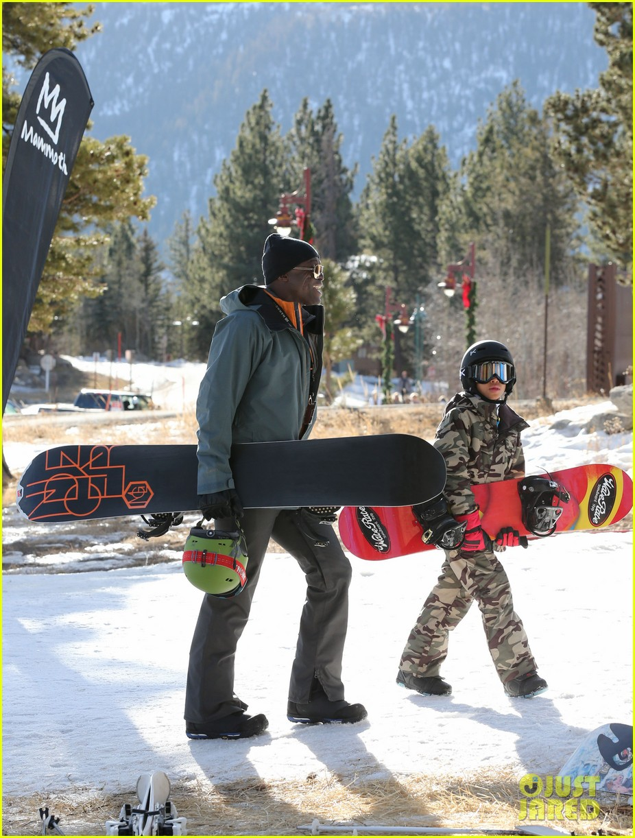 seal spends first day of 2014 snowboarding with the kids 153021440
