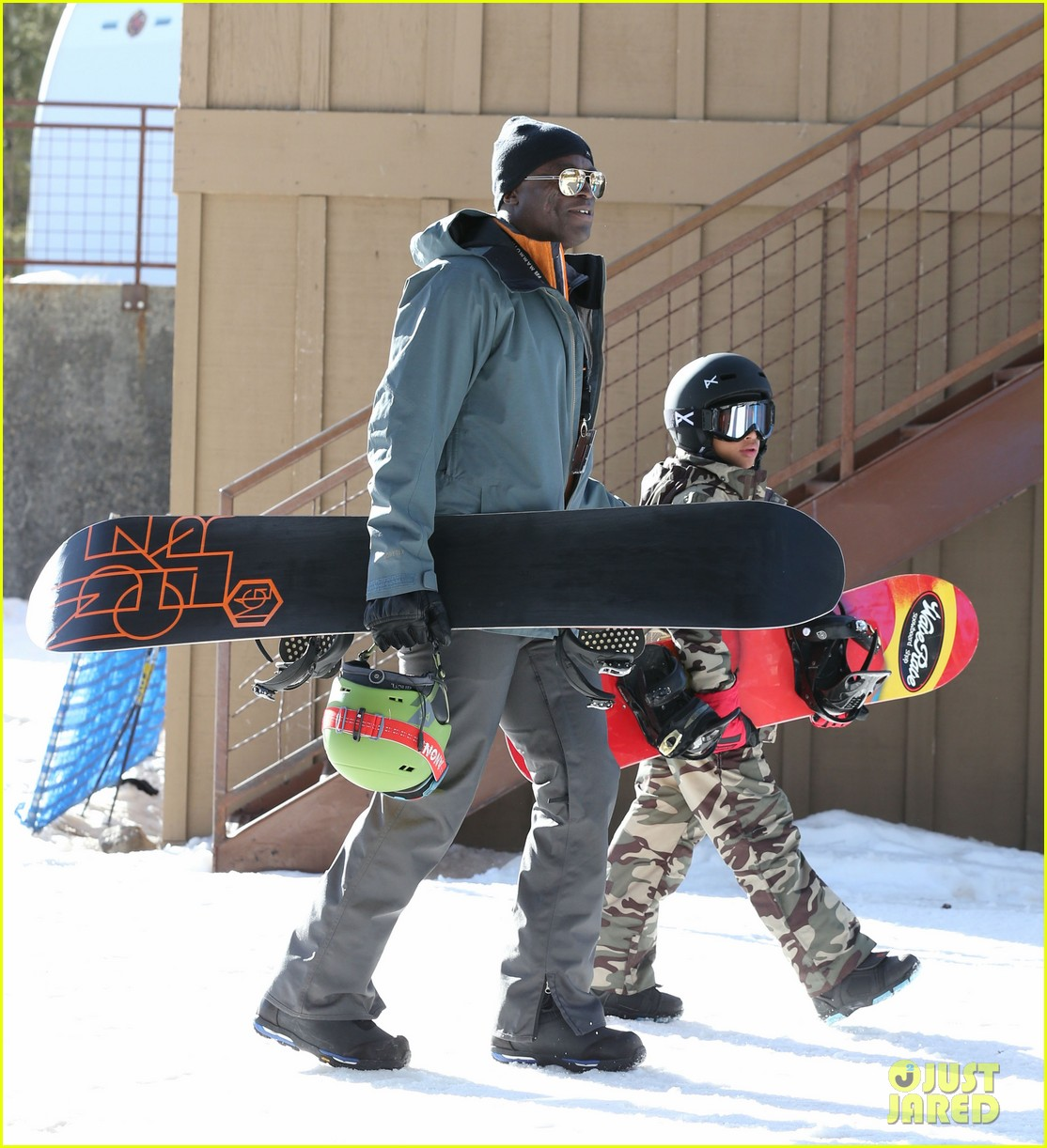 seal spends first day of 2014 snowboarding with the kids 18
