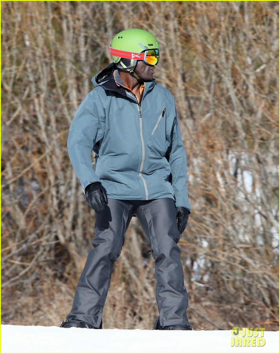 seal spends first day of 2014 snowboarding with the kids 253021450