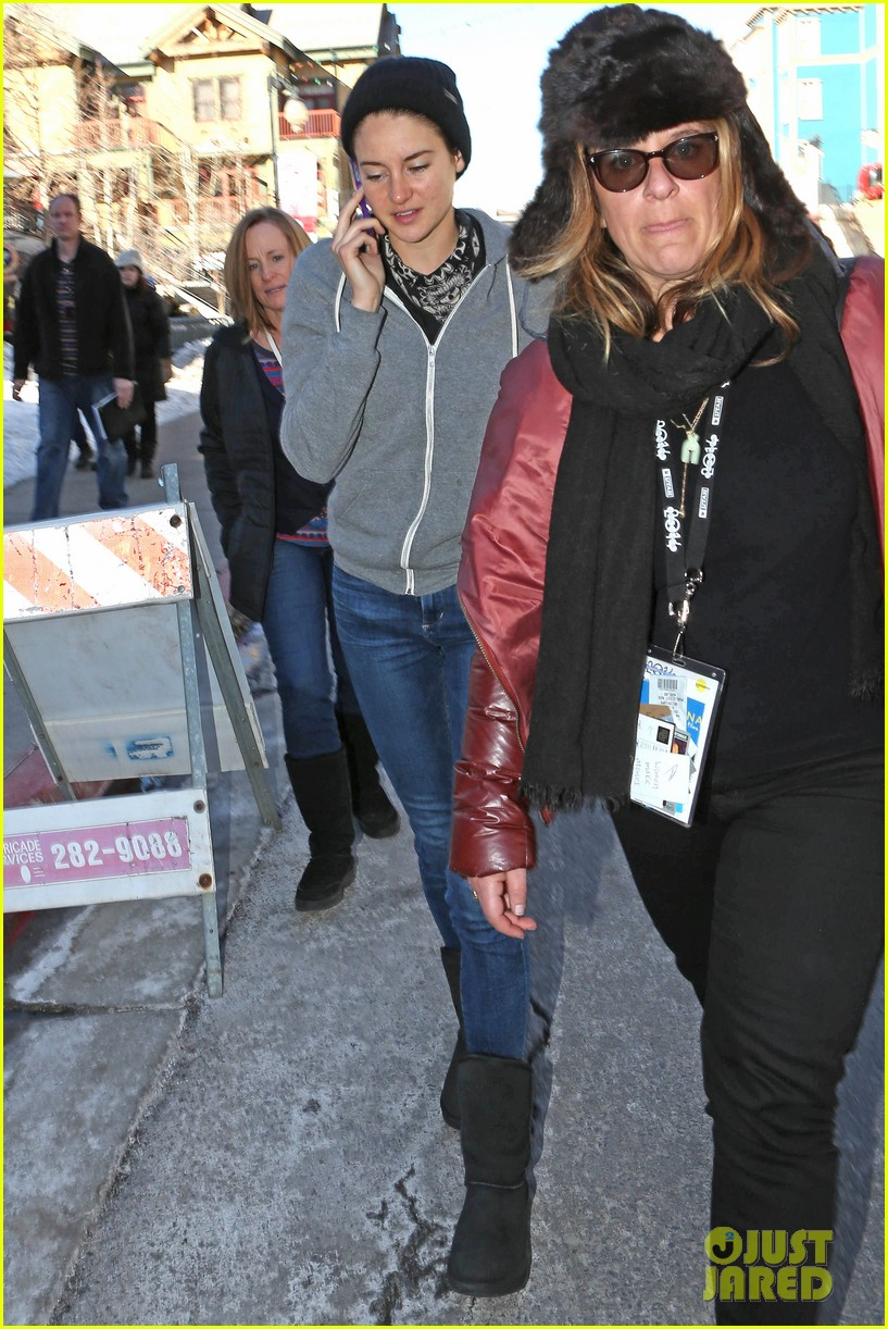 shailene woodley arrives back in la after sundance 013037616