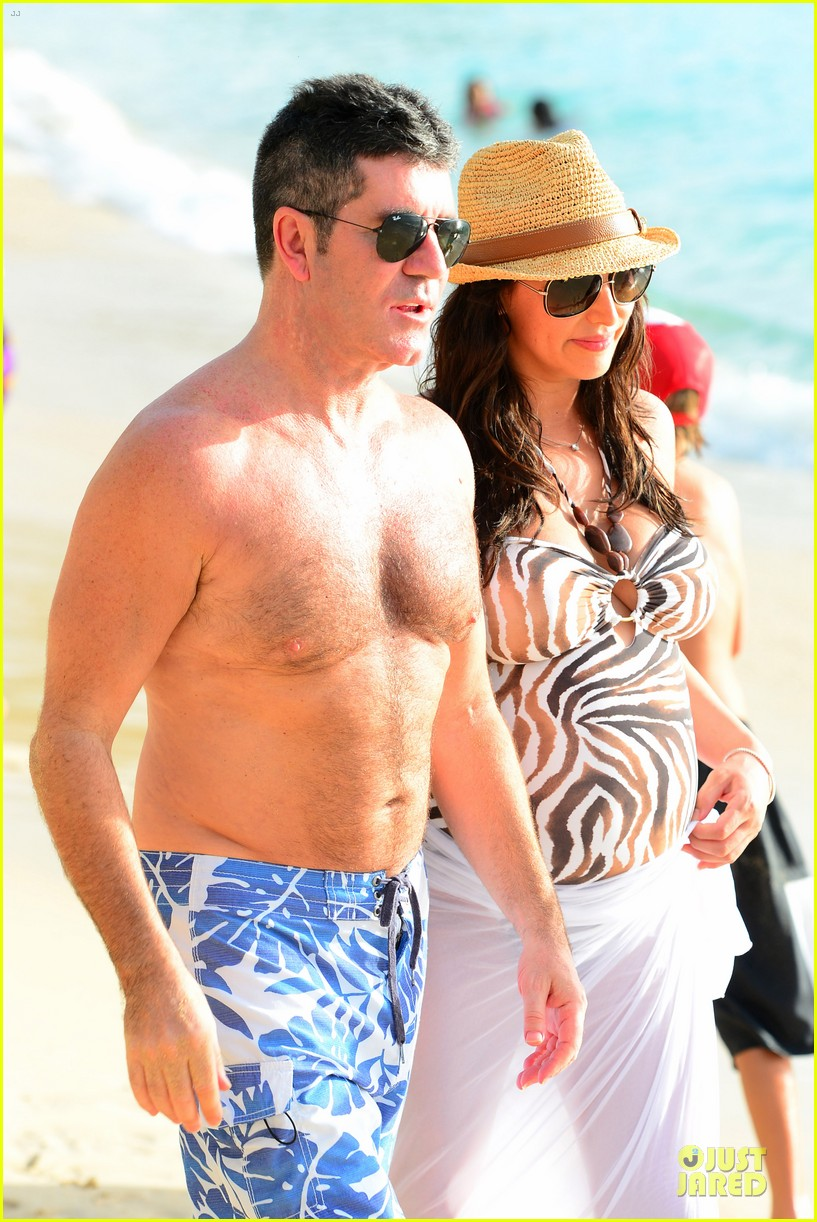 simon cowell lauren silverman hold hands on new year eve 023020707