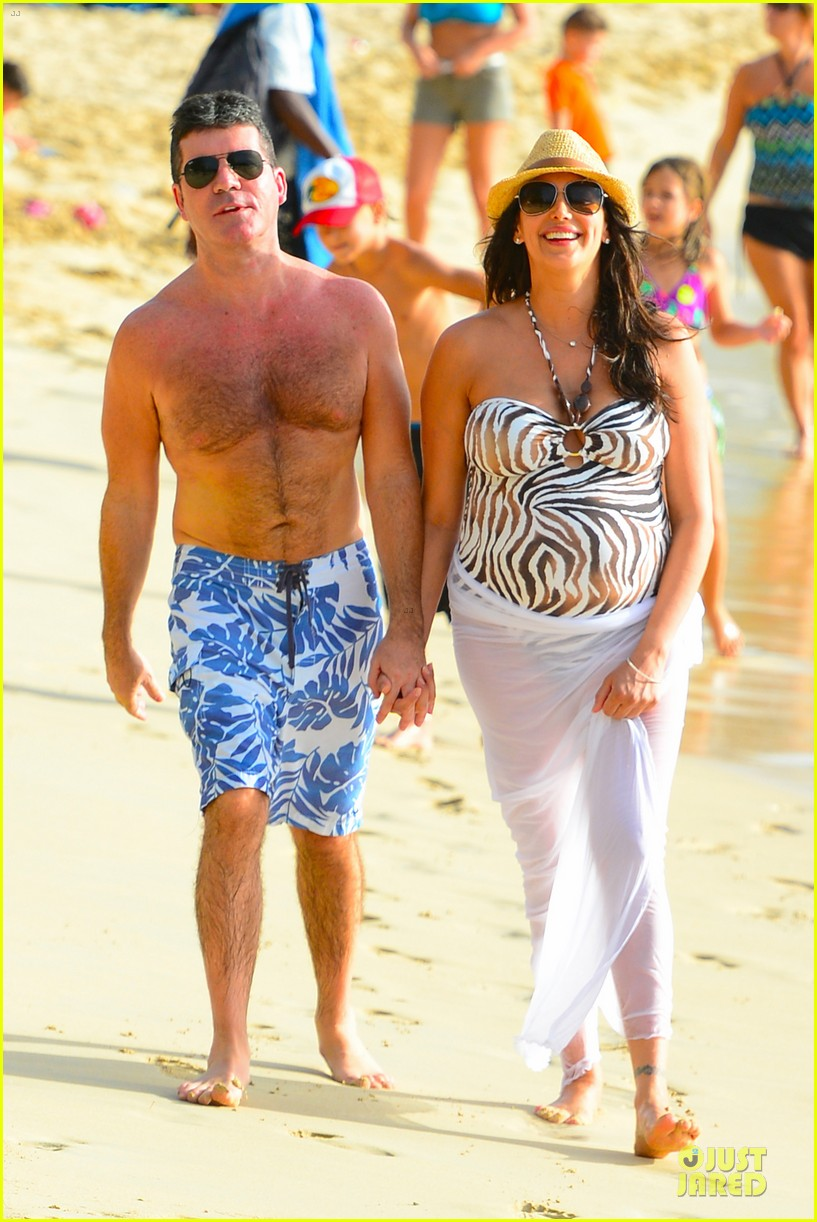 simon cowell lauren silverman hold hands on new year eve 103020715