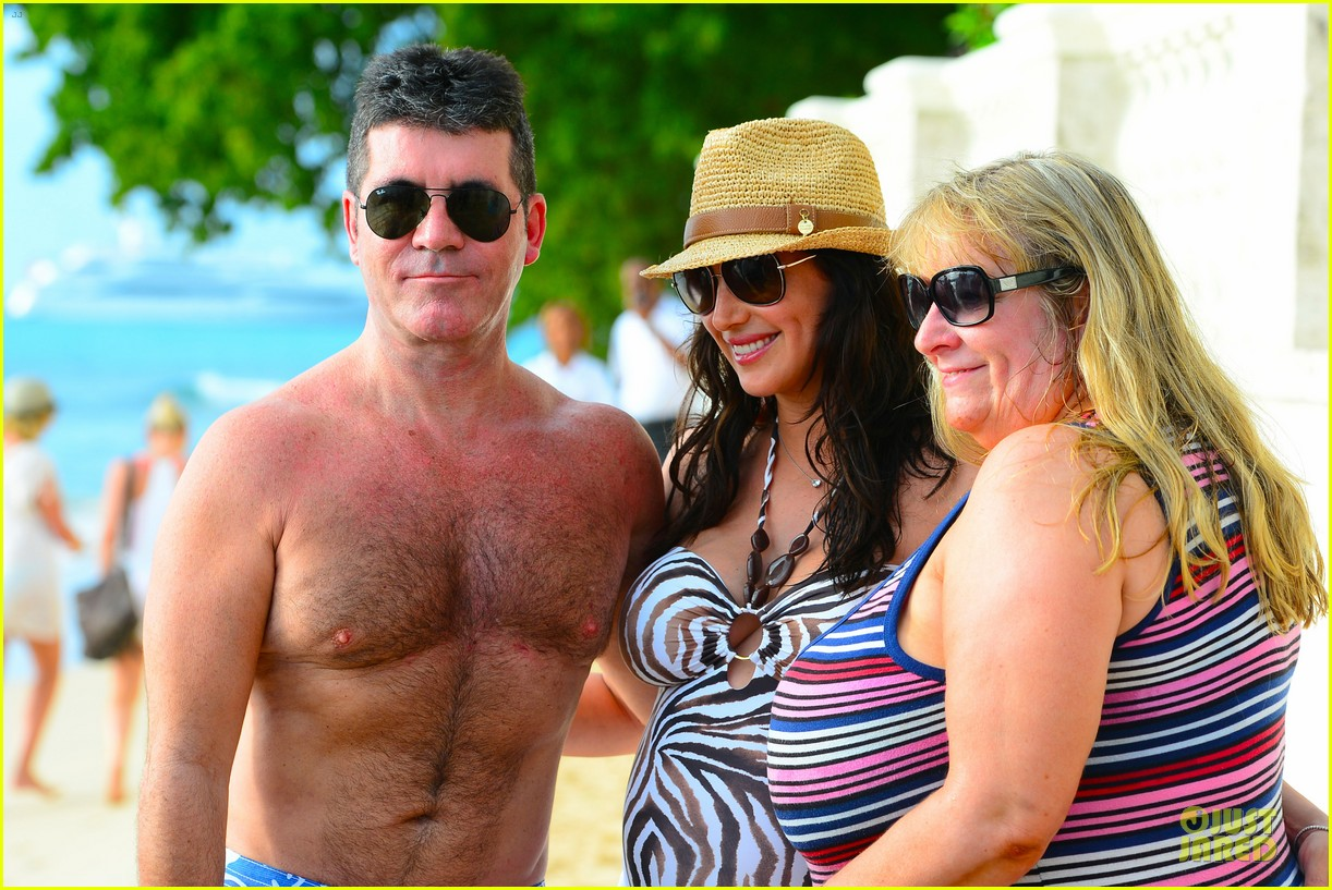 simon cowell lauren silverman hold hands on new year eve 123020717