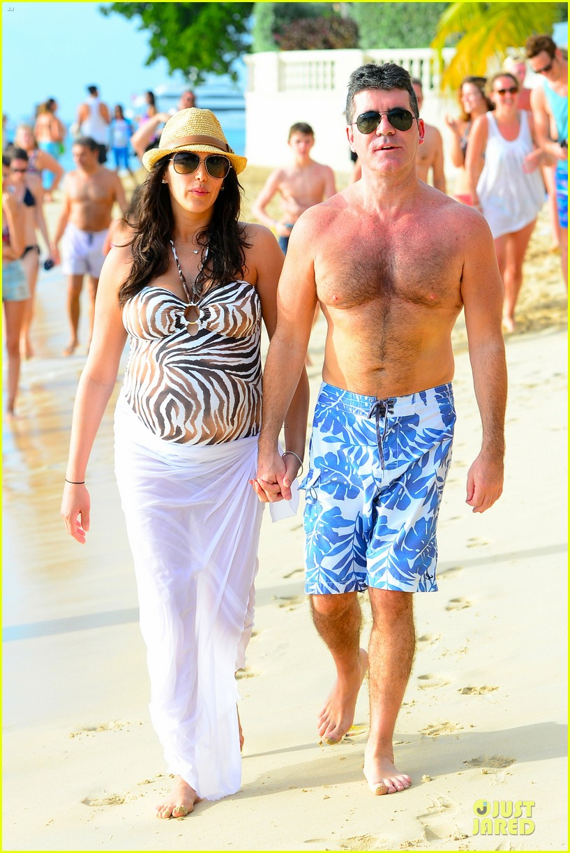 simon cowell lauren silverman hold hands on new year eve 19