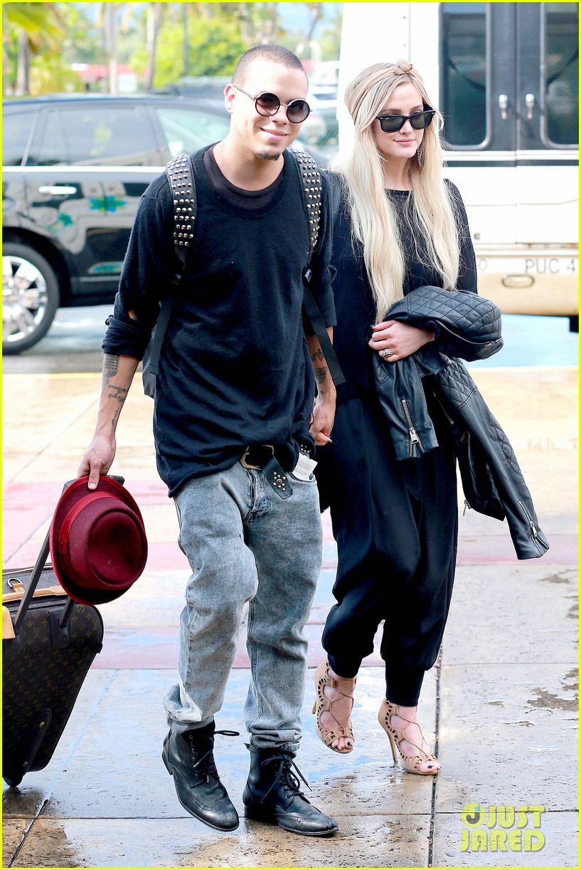 ashlee simpson evan ross fly out after engagement 113032677