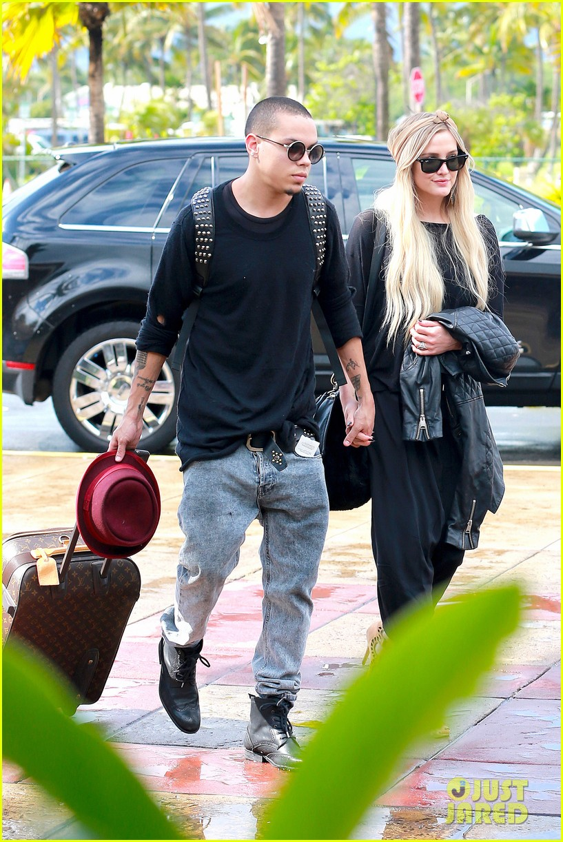 ashlee simpson evan ross fly out after engagement 203032686