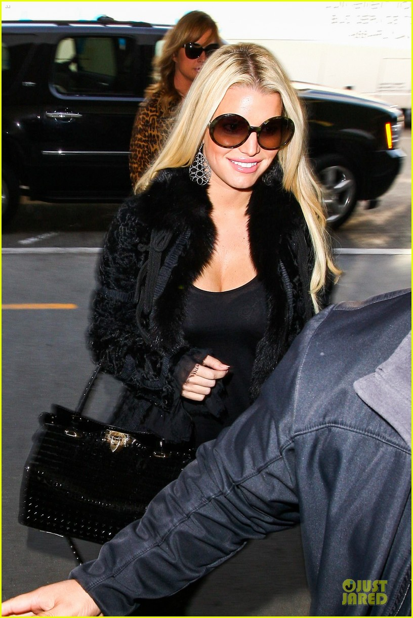 jessica simpson all i want to do is snuggle with ace 093042968