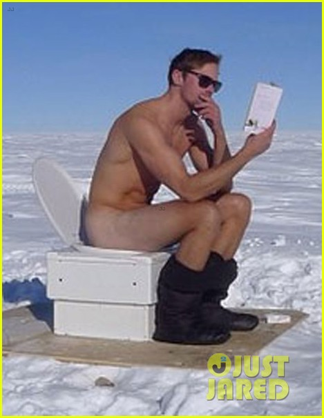 alexander skarsgard goes naked at the south pole photo 023025082