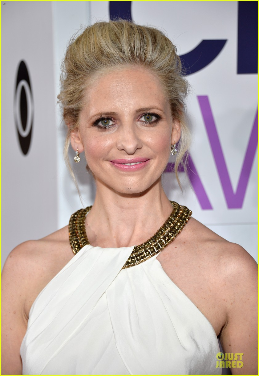 sarah michelle gellar amanda setton peoples choice awards 2014 043025626