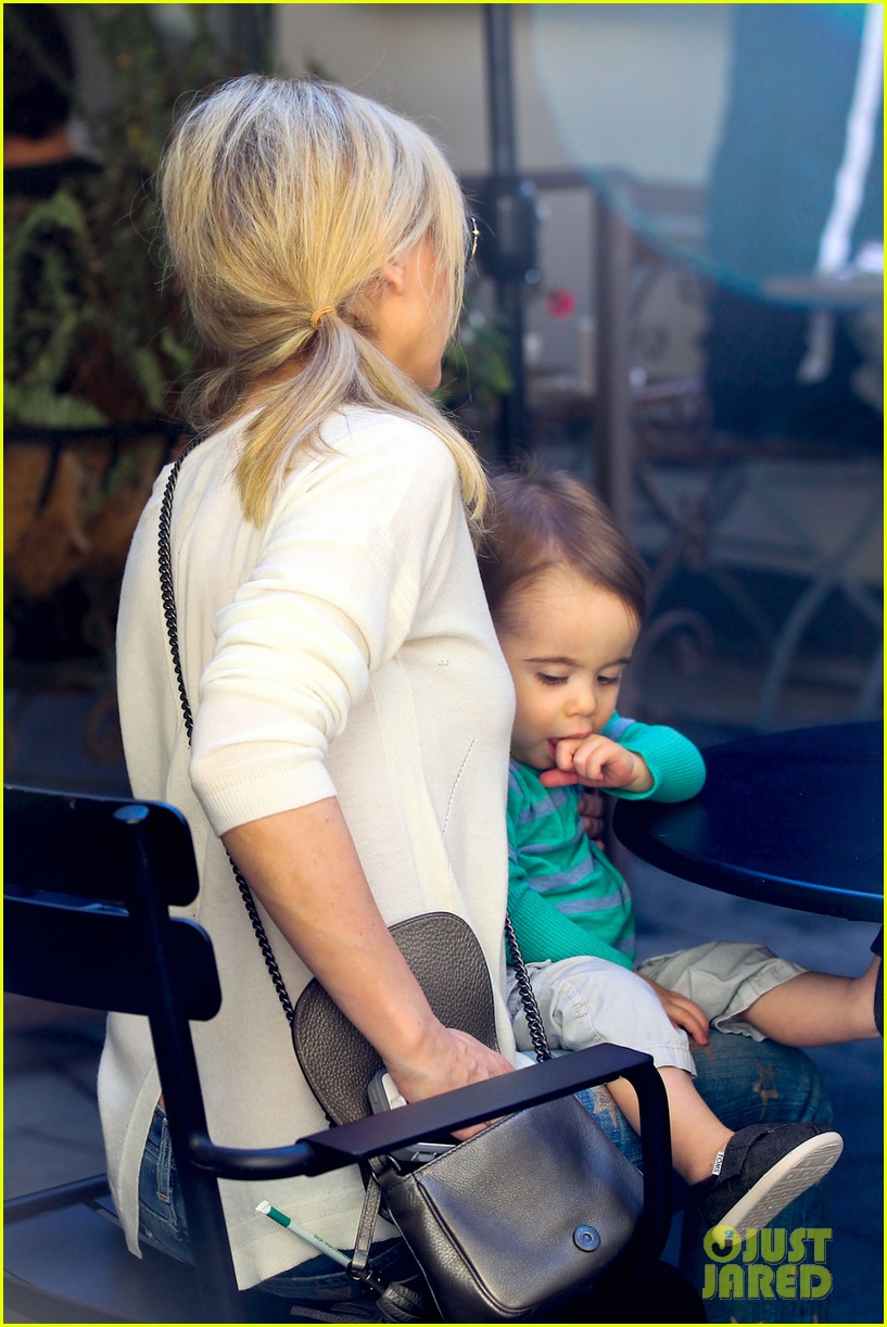 sarah michelle gellar hangs with adorable son rocky 083038455