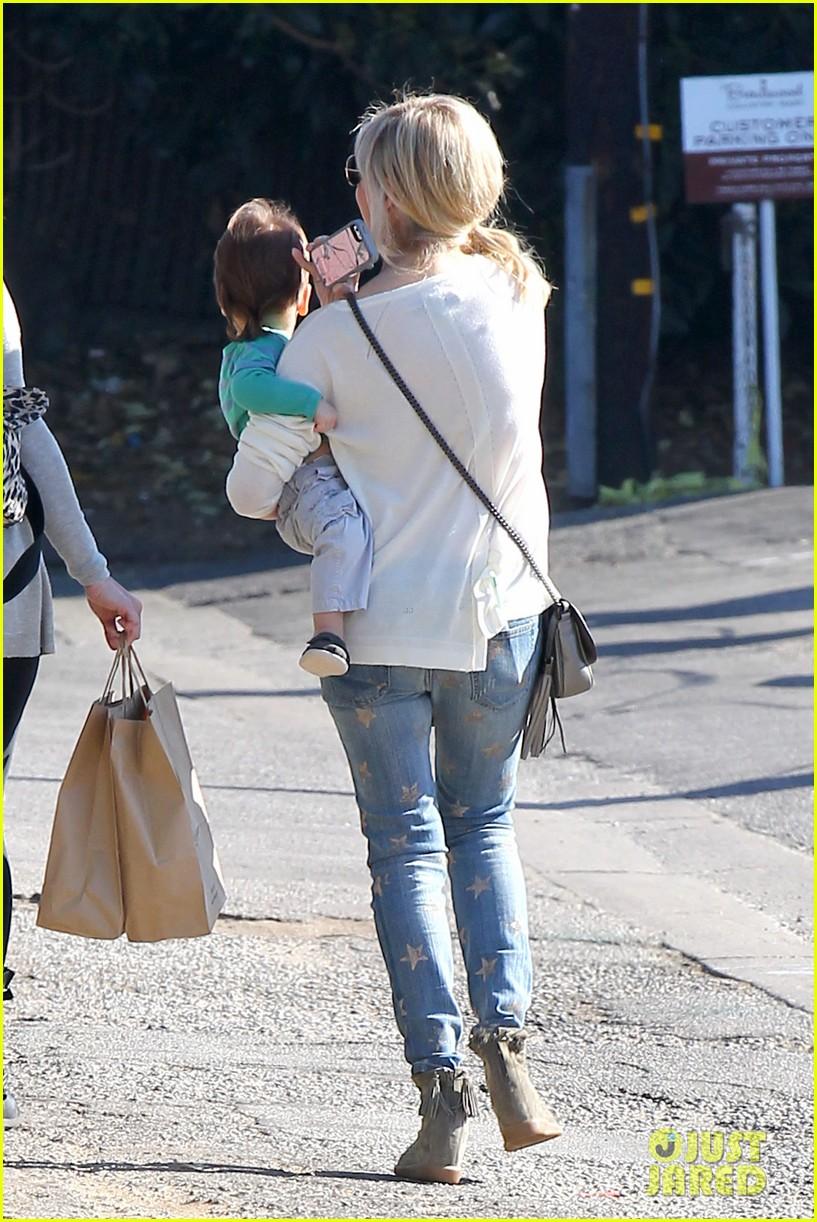 sarah michelle gellar hangs with adorable son rocky 093038456