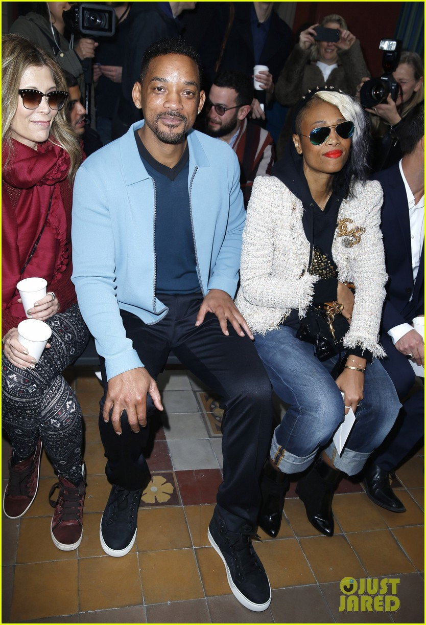 will smith lanvin fashion show with victor cruz 013036458