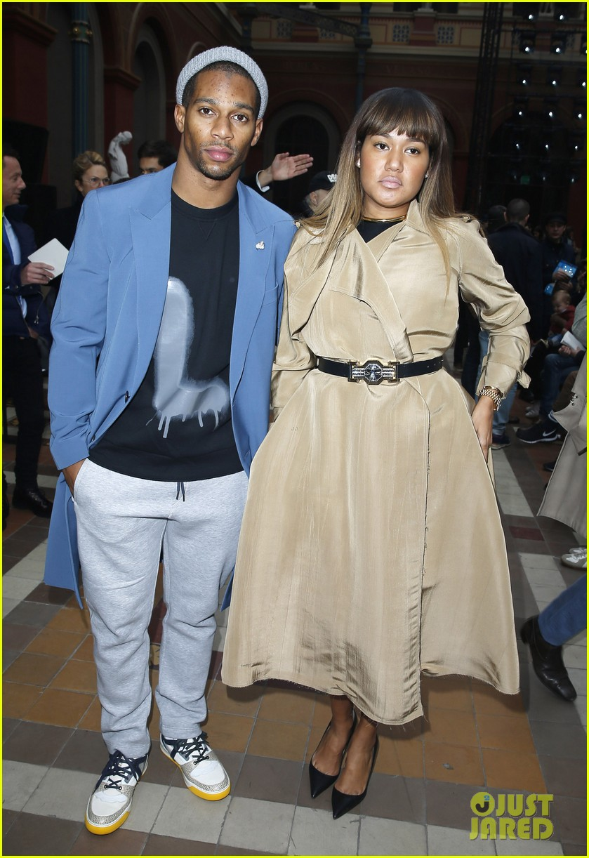will smith lanvin fashion show with victor cruz 073036464