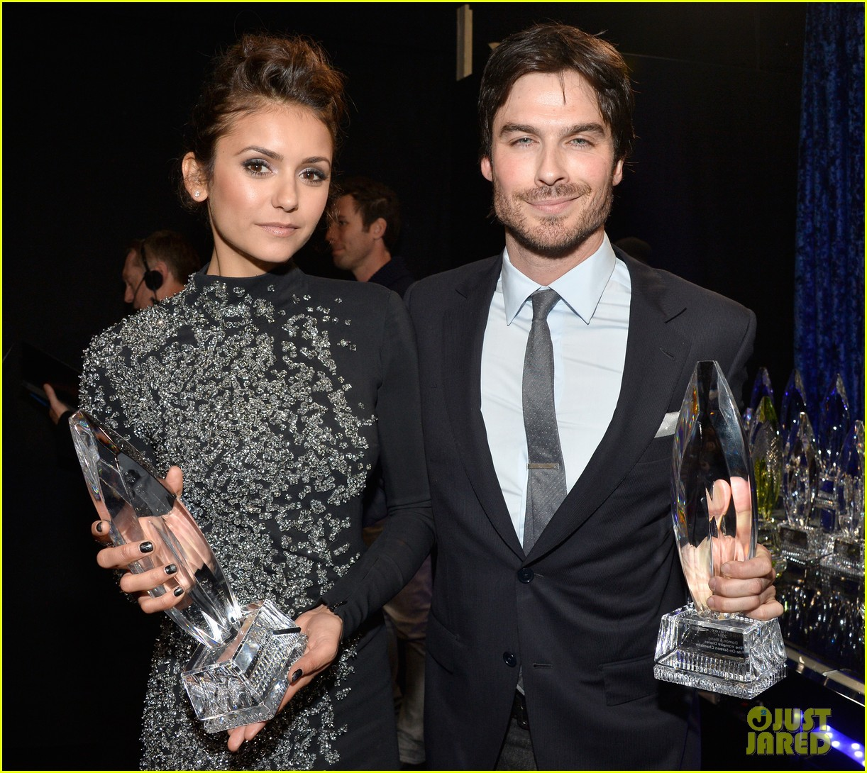 ian somerhalder nina dobrev joke about their breakup at peoples choice awards 043025745