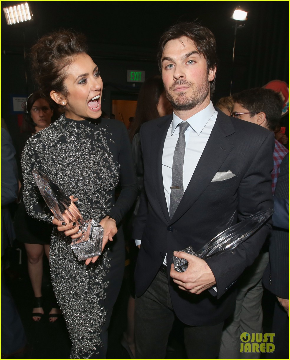 ian somerhalder nina dobrev joke about their breakup at peoples choice awards 073025748