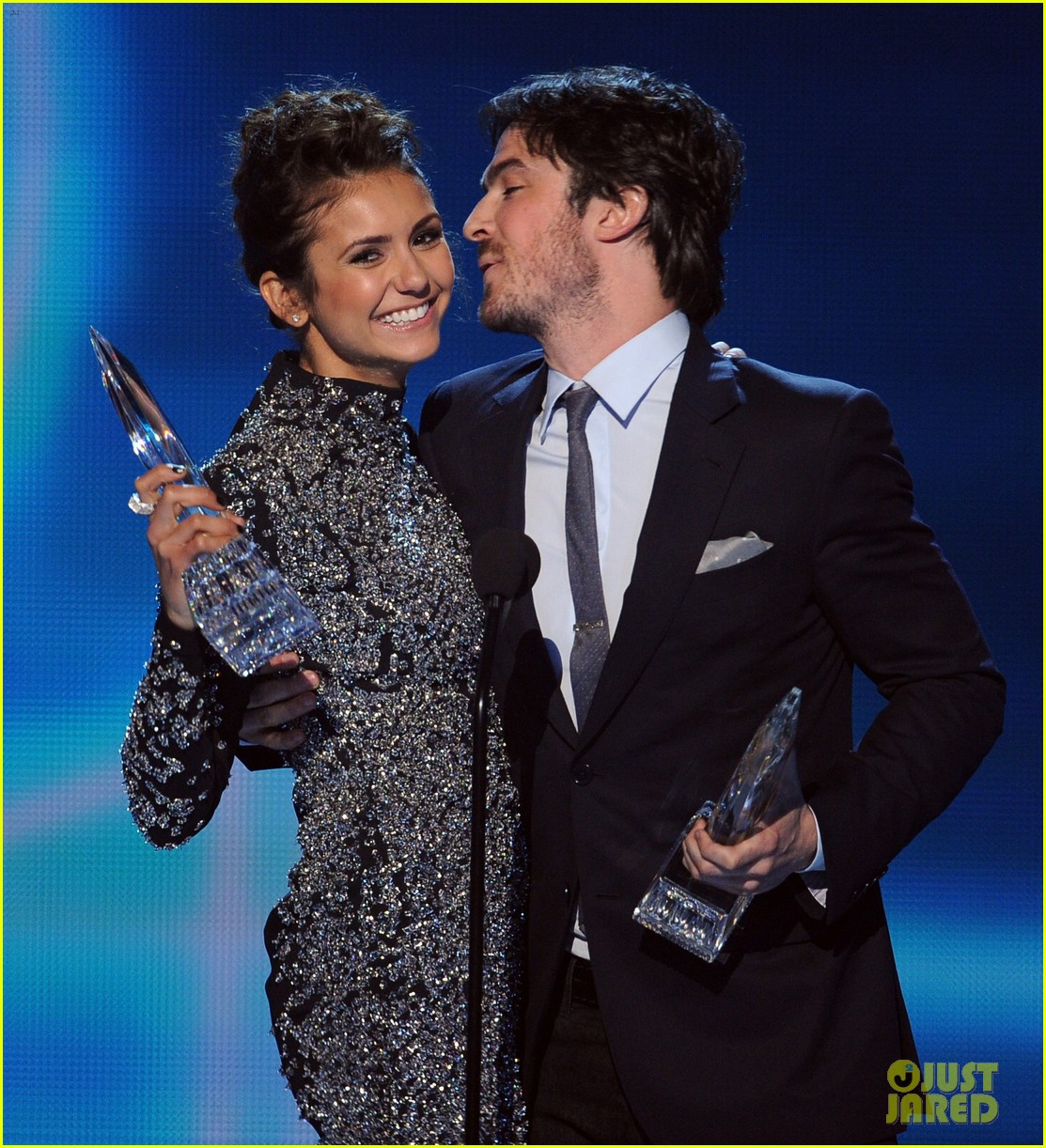 ian somerhalder nina dobrev joke about their breakup at peoples choice awards 093025750