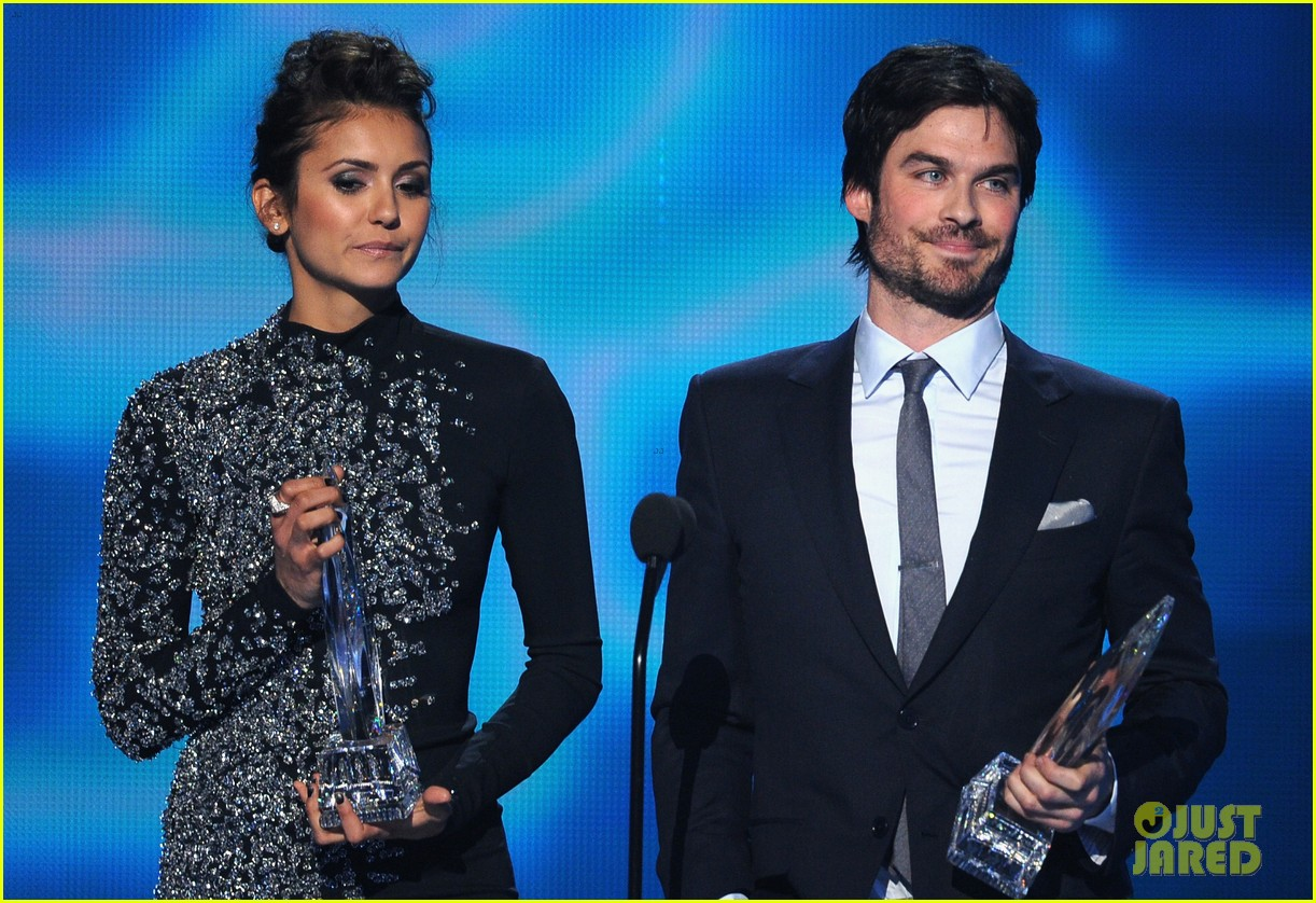 ian somerhalder nina dobrev joke about their breakup at peoples choice awards 153025756