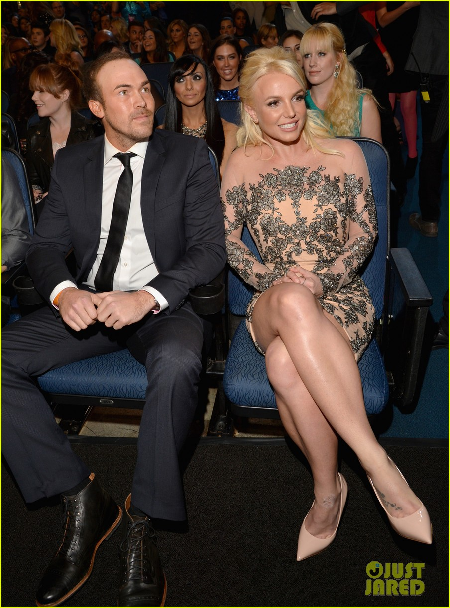 britney spears peoples choice awards 2014 with david lucado 013025694
