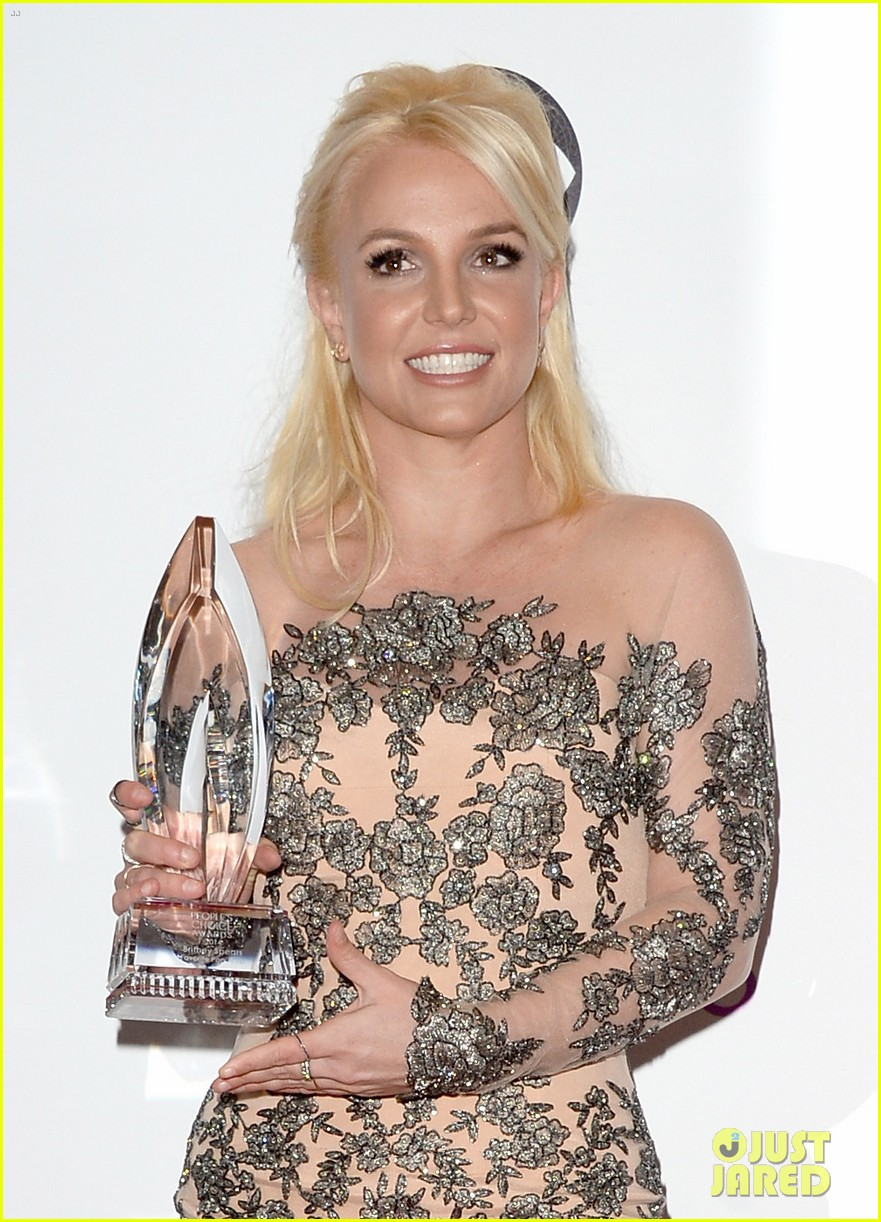 britney spears peoples choice awards 2014 with david lucado 02