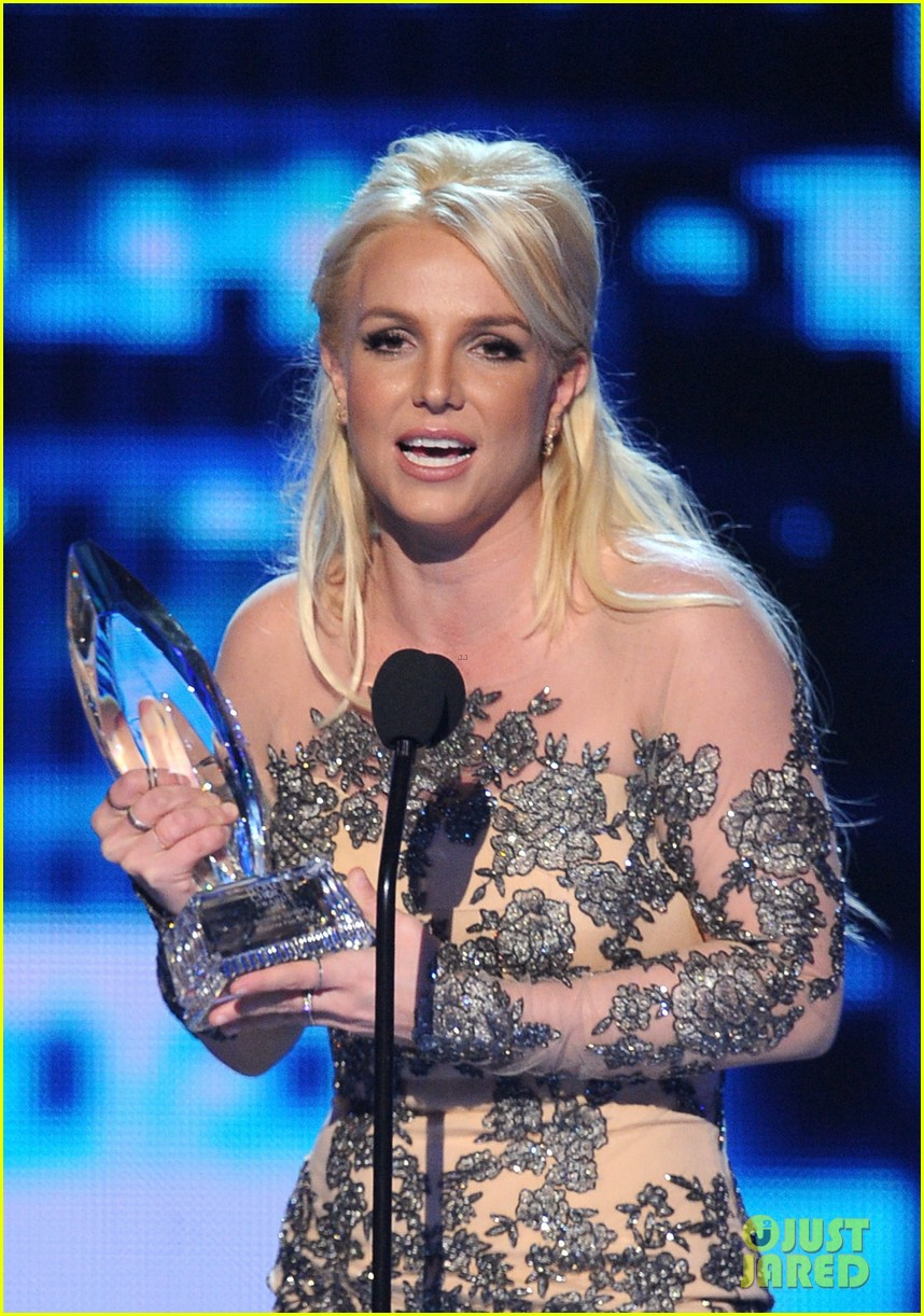 britney spears peoples choice awards 2014 with david lucado 043025697
