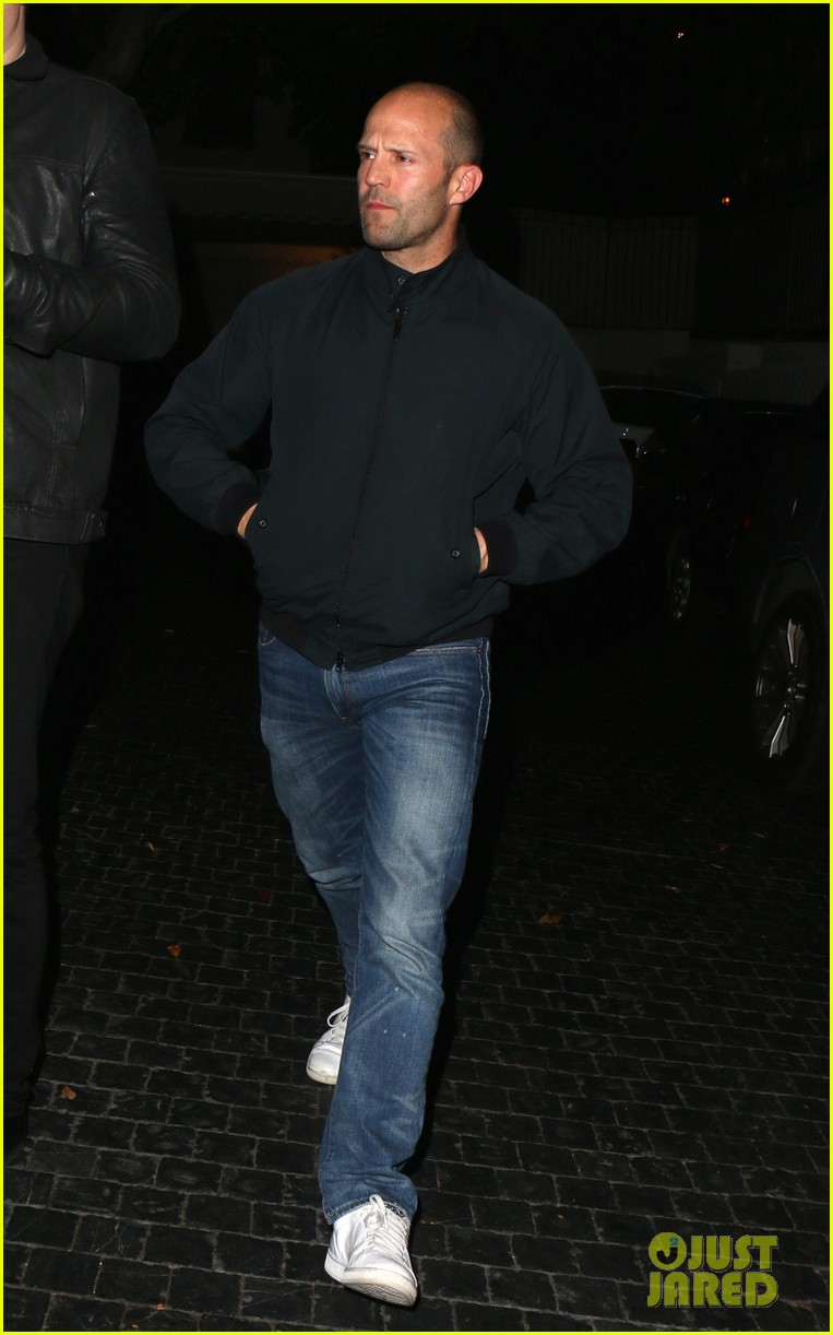jason statham unwinds at chateau marmont 02
