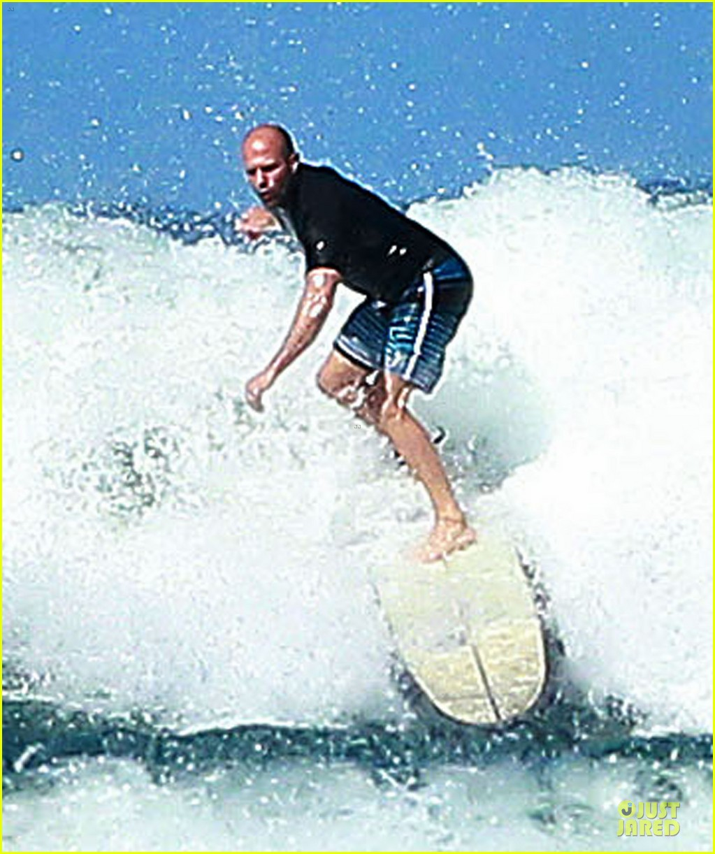 jason statham surfing vacation in hawaii 053024684