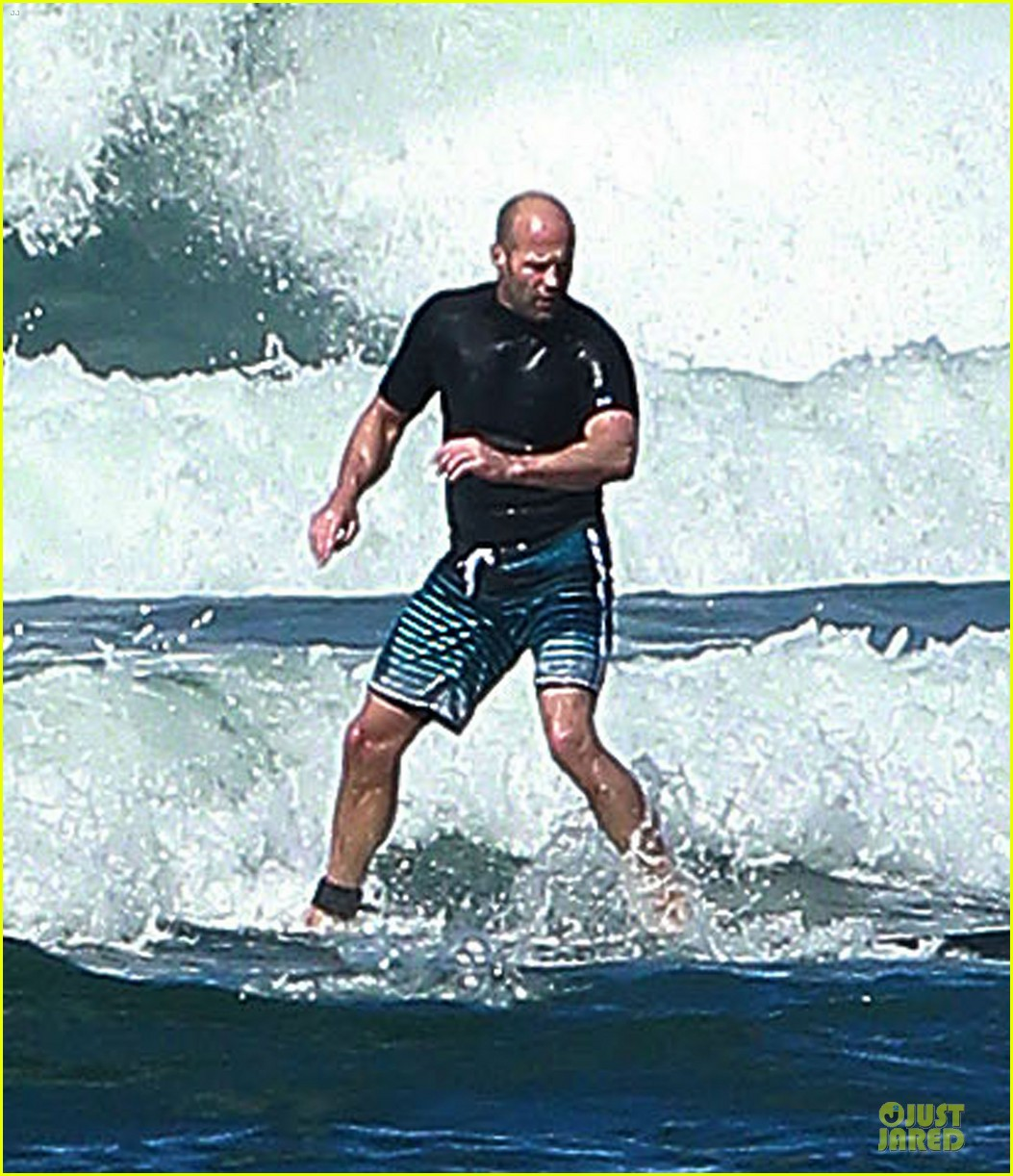 jason statham surfing vacation in hawaii 083024687