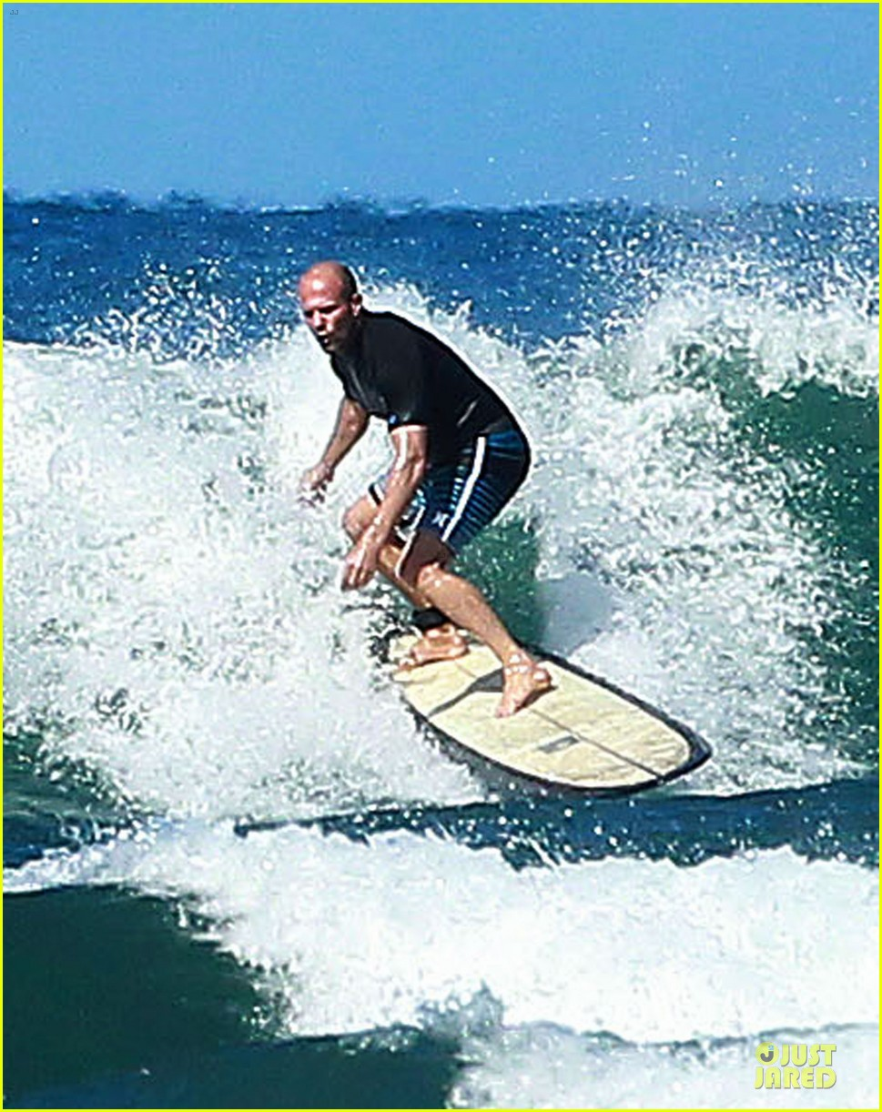 jason statham surfing vacation in hawaii 113024690