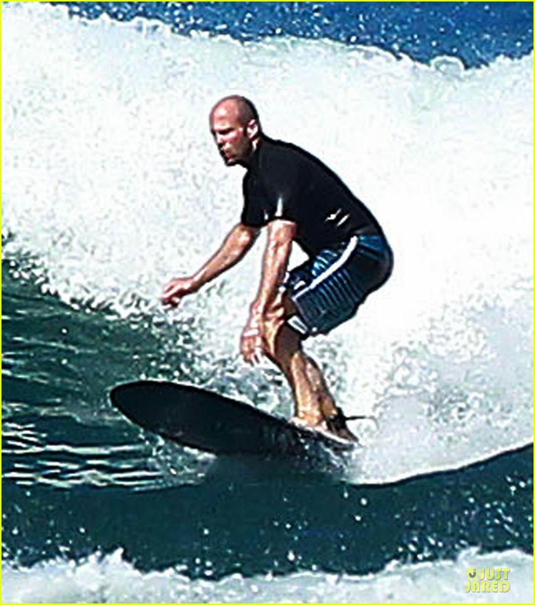 jason statham surfing vacation in hawaii 133024692