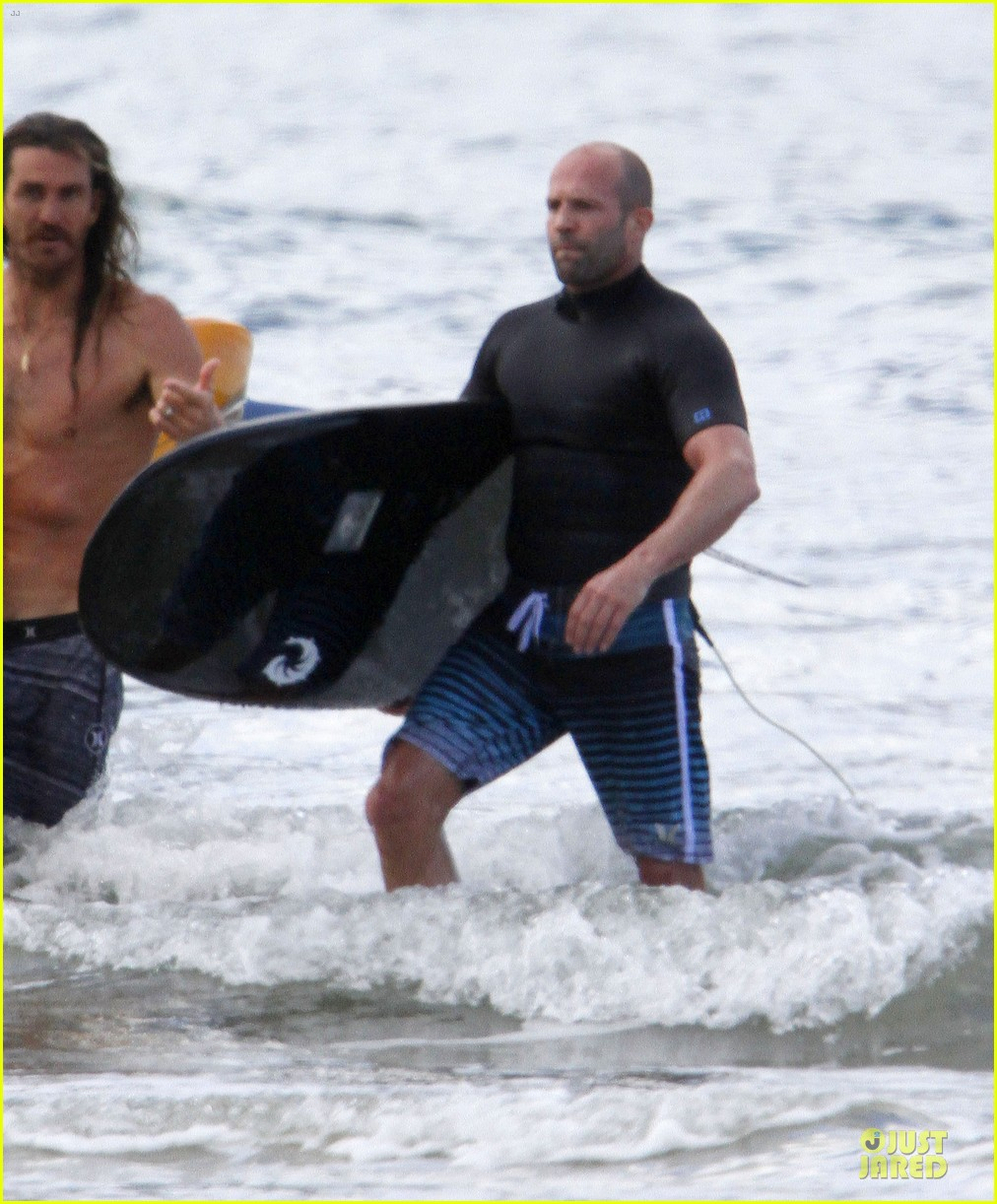 jason statham surfing vacation in hawaii 193024698
