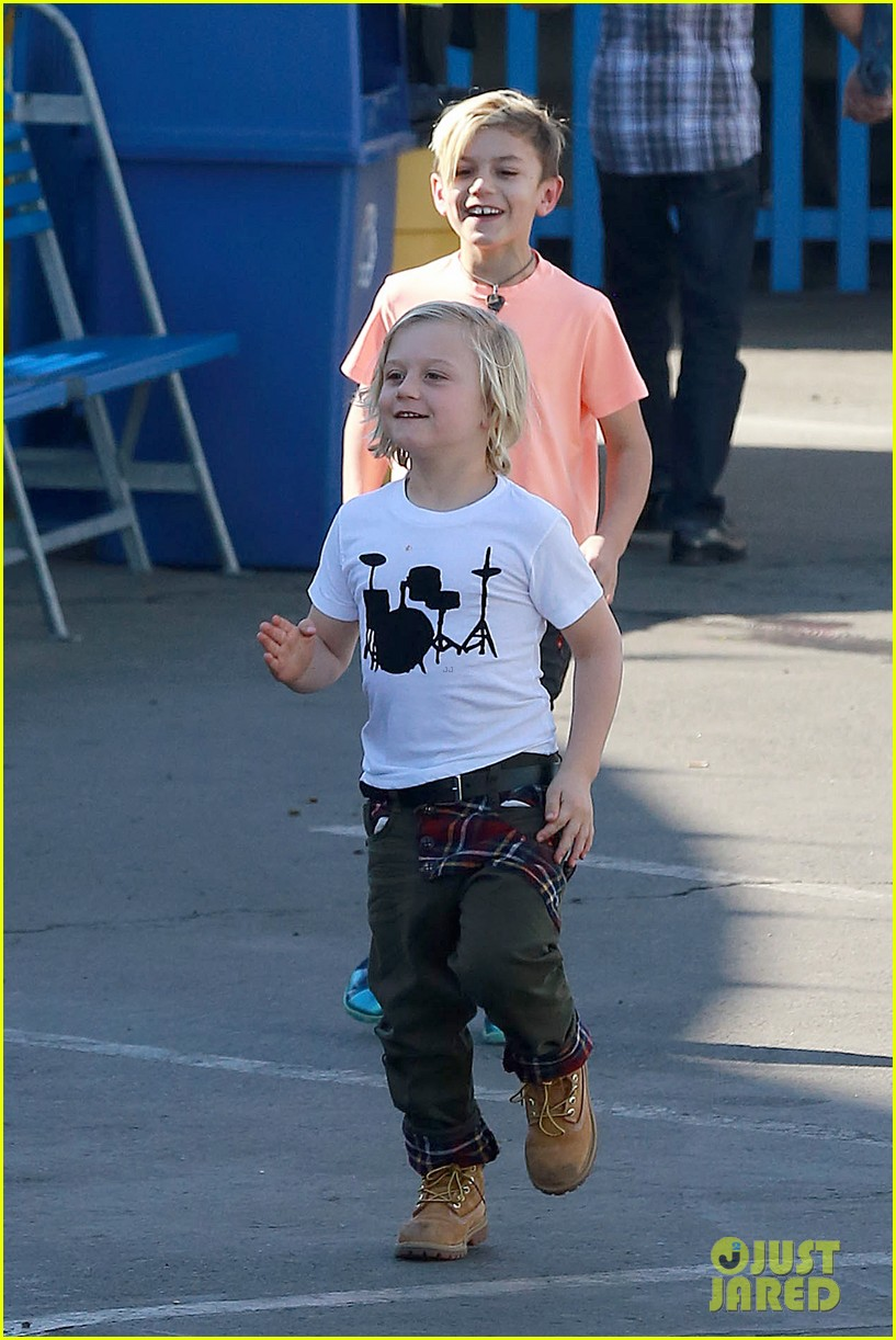 gwen stefani steps out with the family after baby boy news 033036982