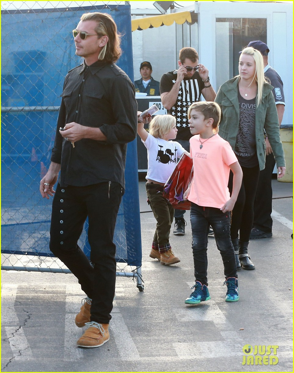 gwen stefani steps out with the family after baby boy news 143036993