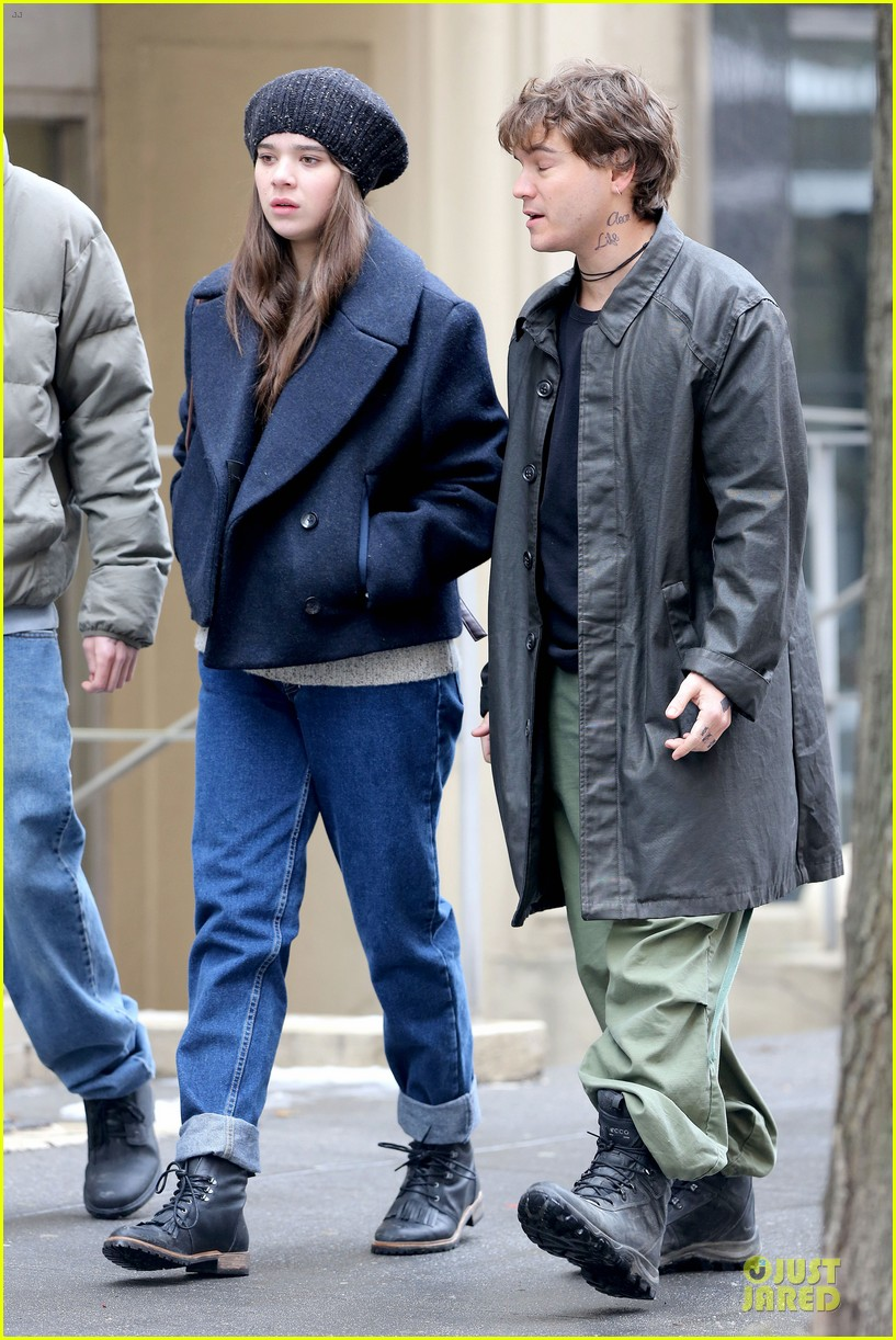 hailee steinfeld emile hirsch ten thousand saints set 223042424