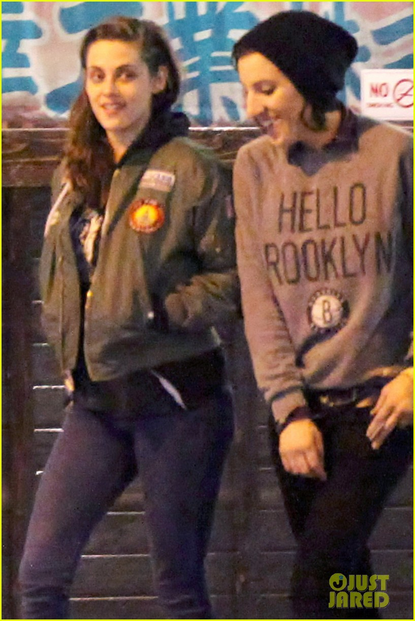 kristen stewart didnt think people would believe her in camp x ray 023038506