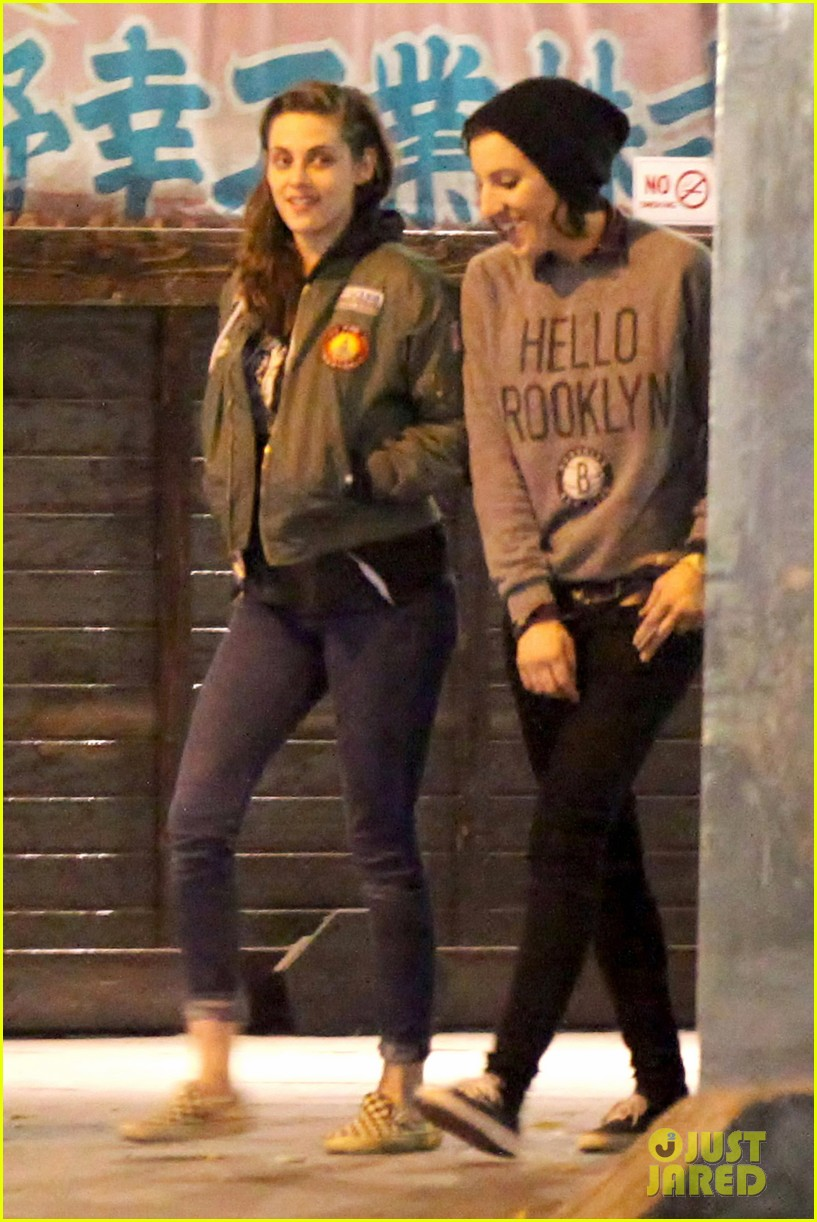 kristen stewart didnt think people would believe her in camp x ray 063038510