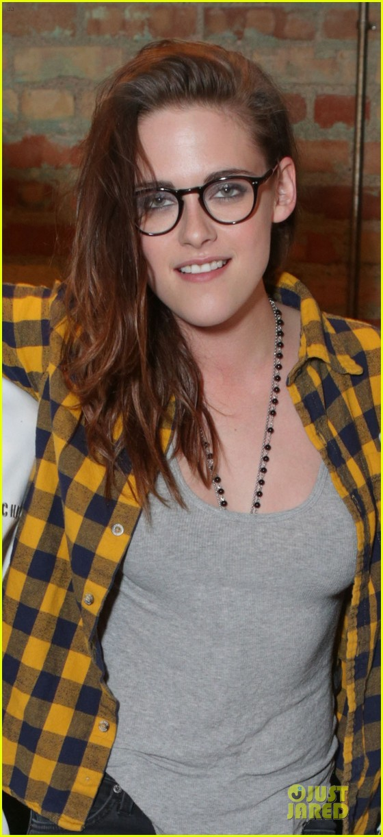 kristen stewart emile hirsch camp x ray sundance party 02