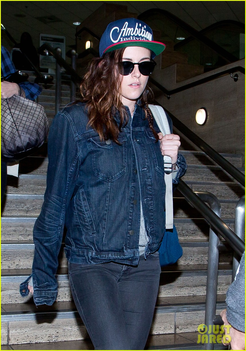 kristen stewart lands in los angeles after sundance fest 063035055