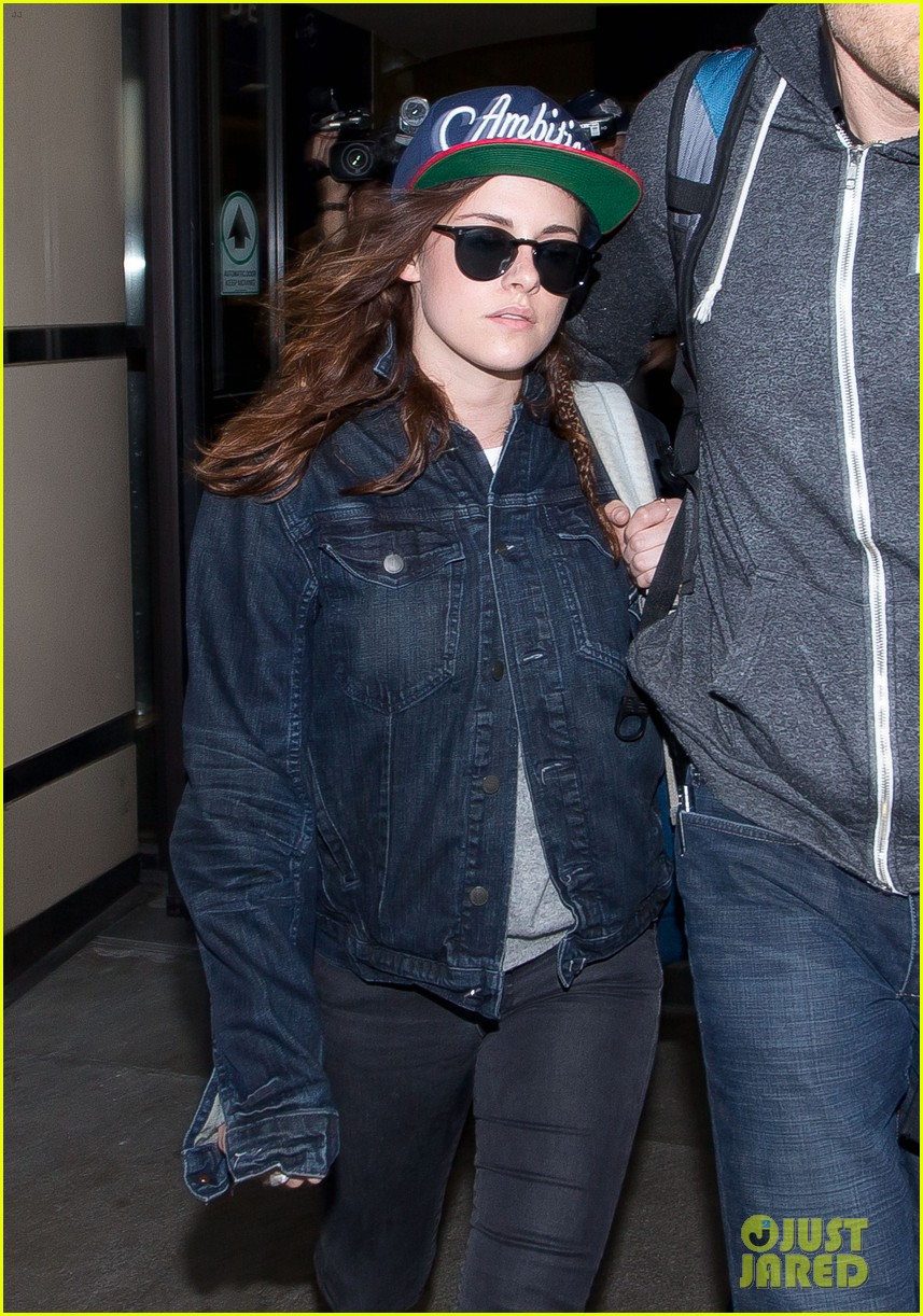 kristen stewart lands in los angeles after sundance fest 103035059