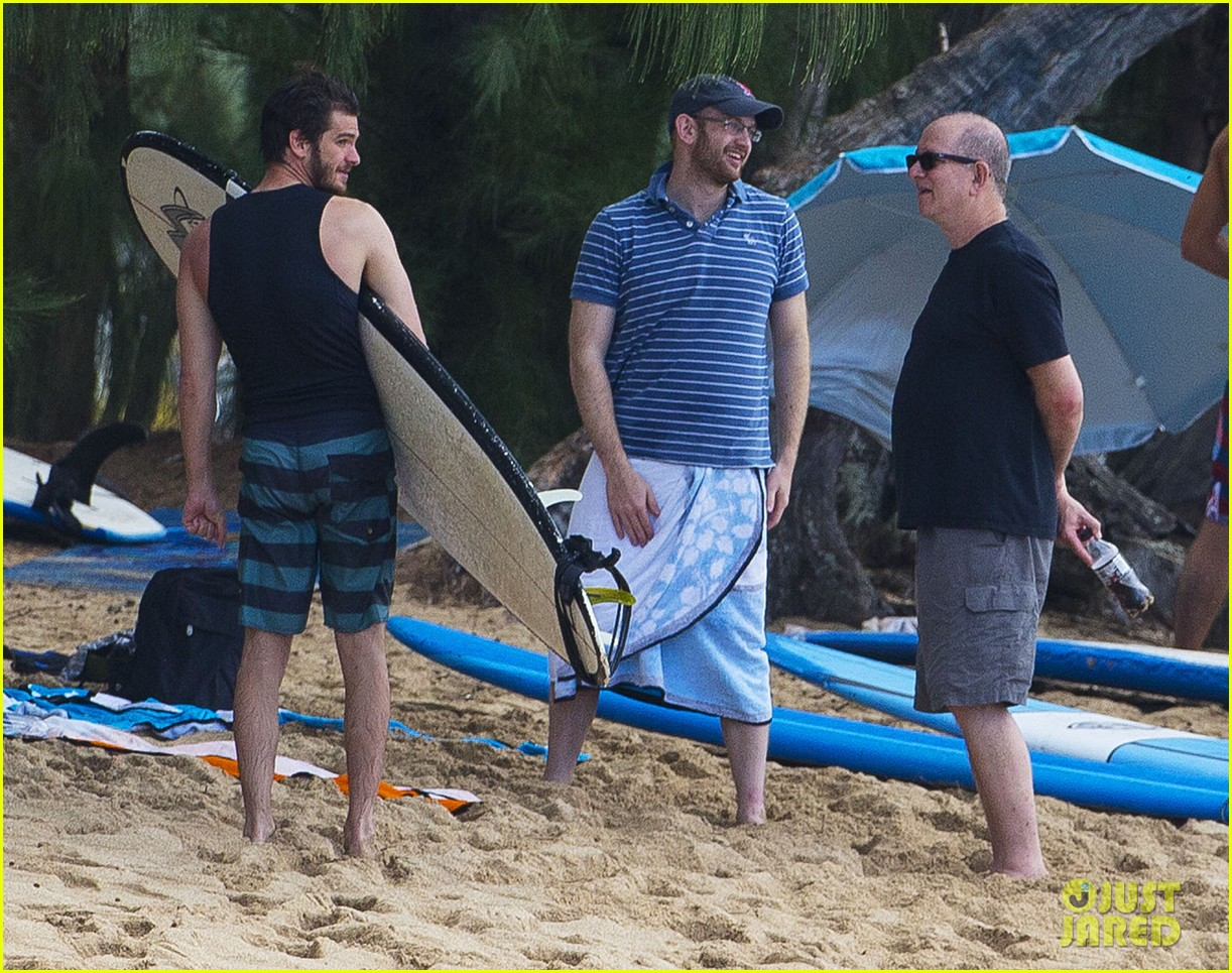 emma stone andrew garfield surf in hawaii 053023390