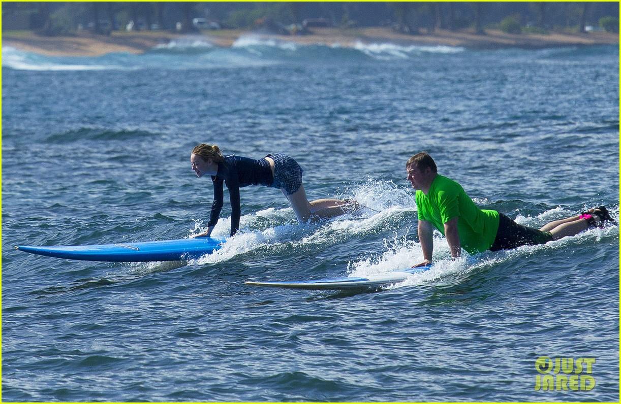 emma stone andrew garfield surf in hawaii 343023419