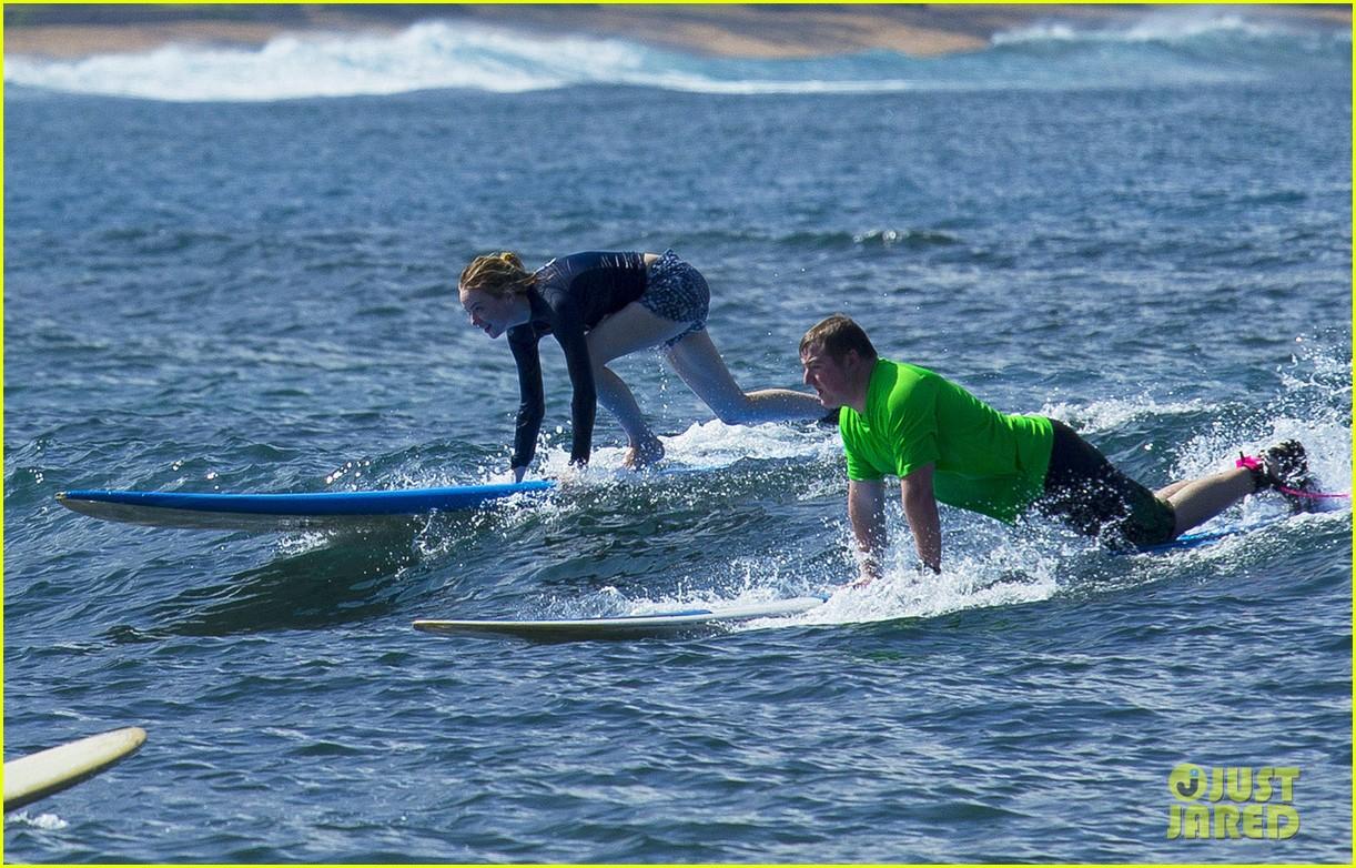 emma stone andrew garfield surf in hawaii 353023420