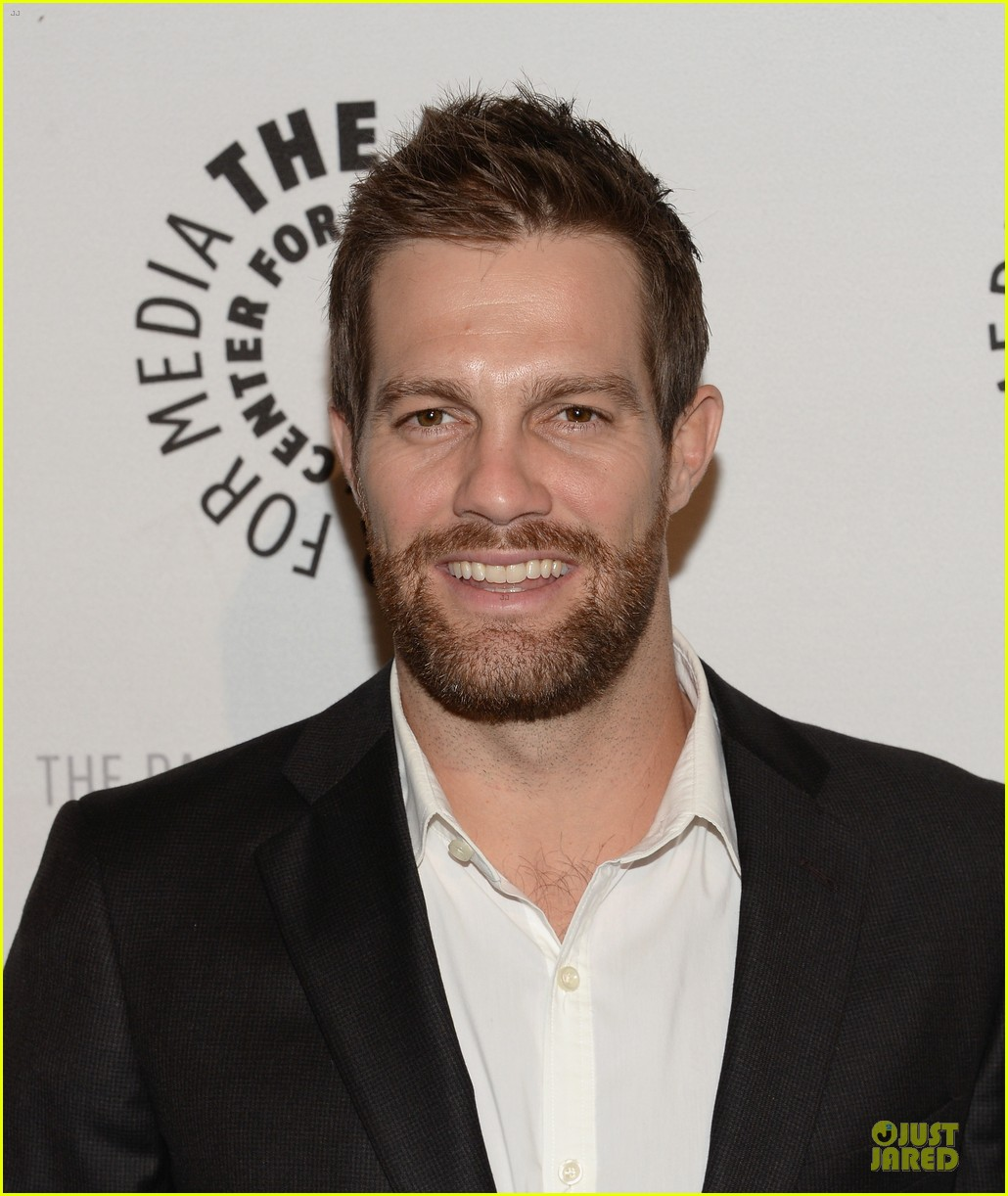 geoff stults chris lowell enlisted la premiere 023025120