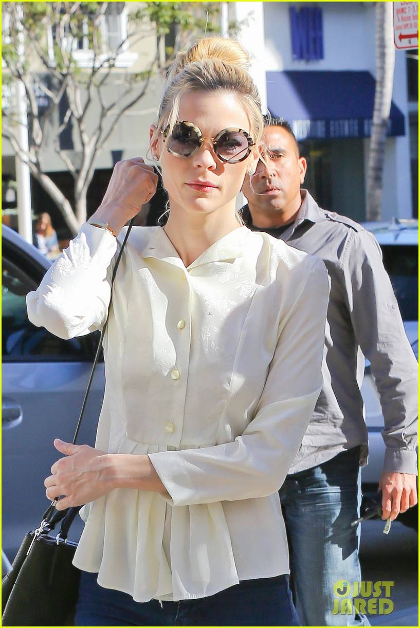 taylor swift bouchon lunch with new friend jaime king 023036470