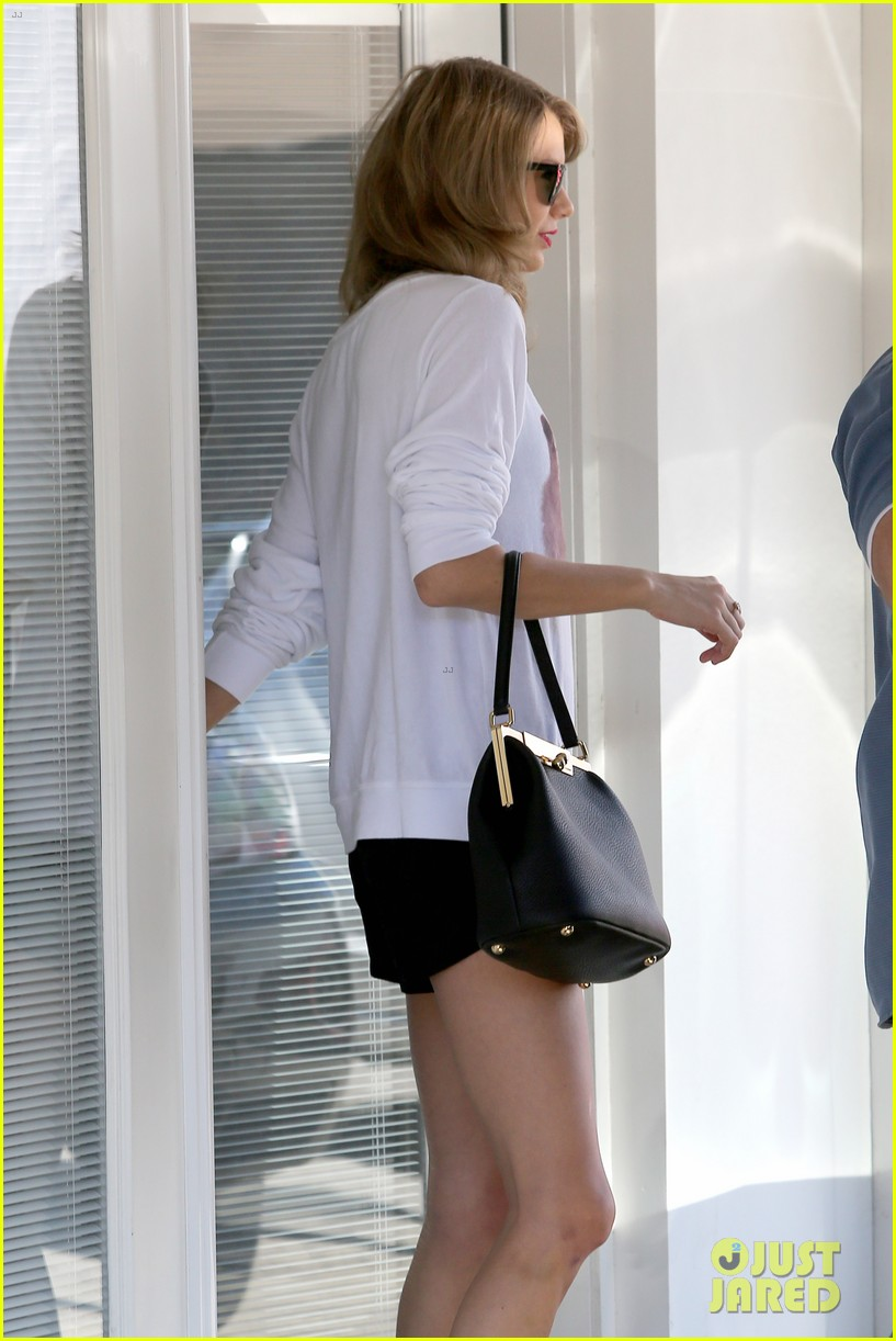 taylor swift bouchon lunch with new friend jaime king 103036478